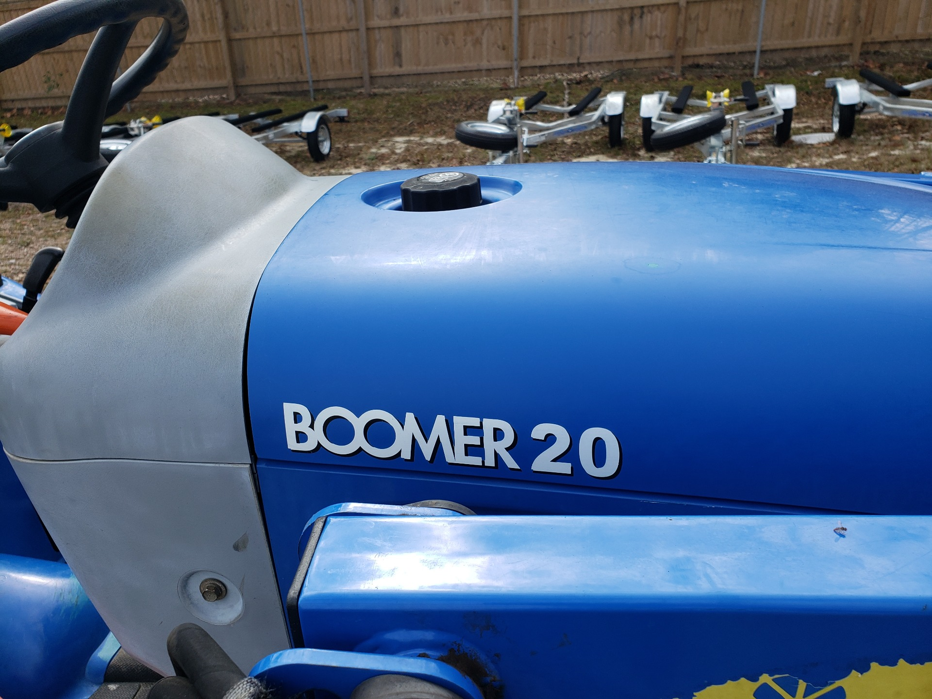 2012 New Holland Agriculture Boomer Compact 20 in Saucier, Mississippi - Photo 4