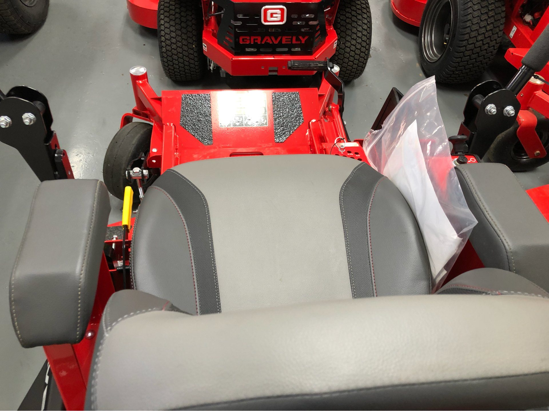 2019 Gravely USA Compact-Pro 34 Kawasaki Zero Turn Mower in Saucier, Mississippi - Photo 5