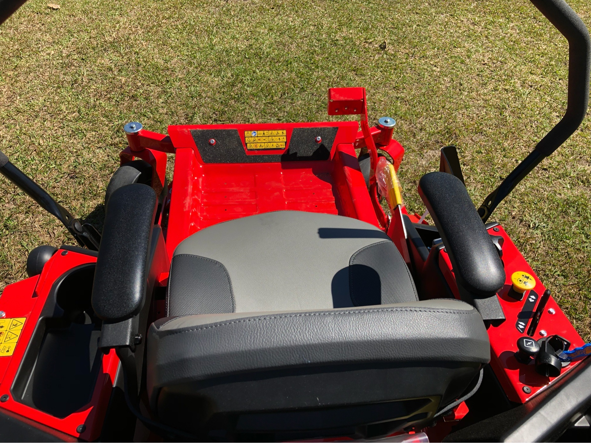 2019 Gravely USA ZT X 52 Kohler 25hp Zero Turn Mower in Saucier, Mississippi - Photo 8