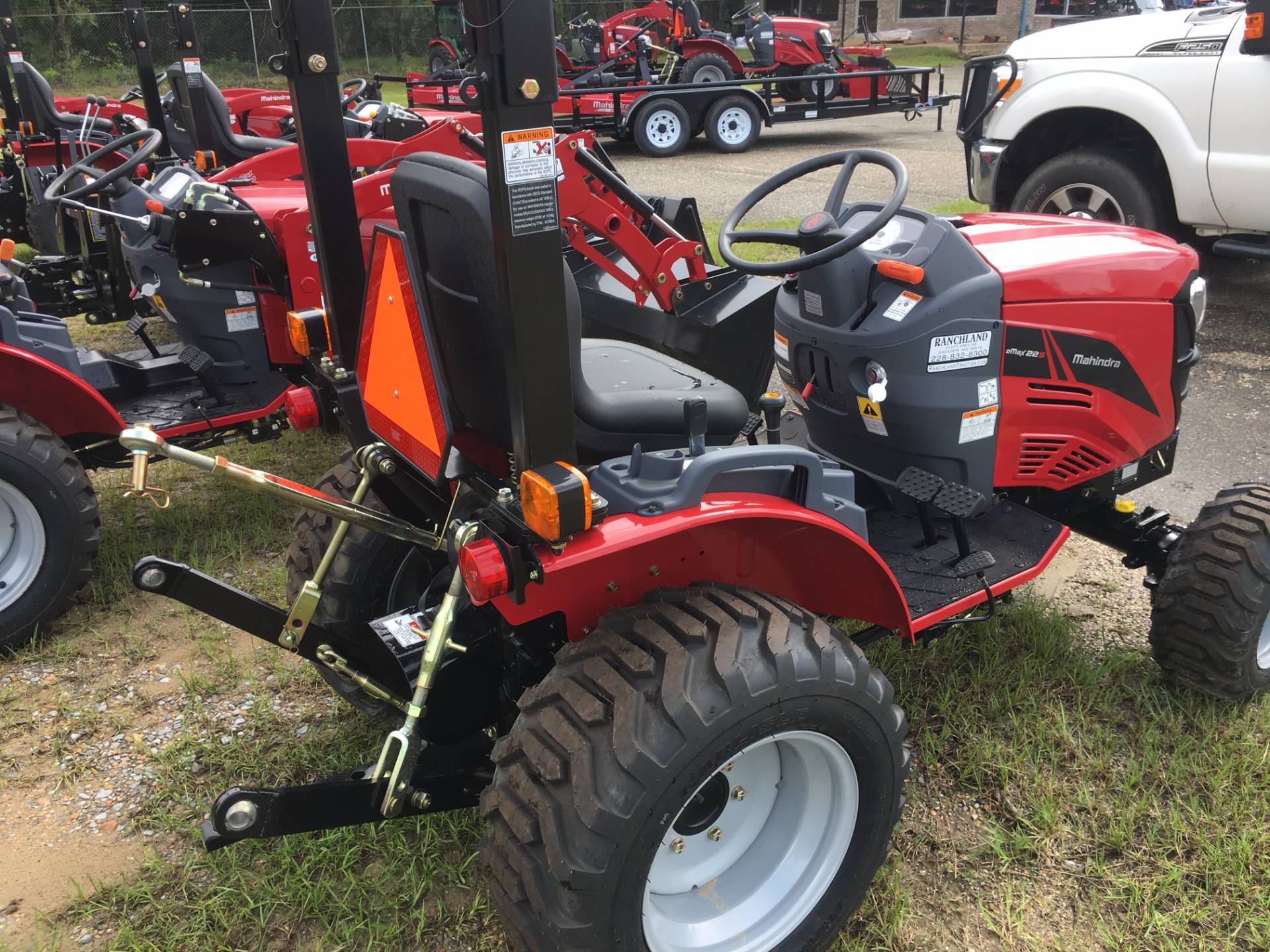 2017 Mahindra eMax S 22 4wd Gear Tractor in Saucier, Mississippi
