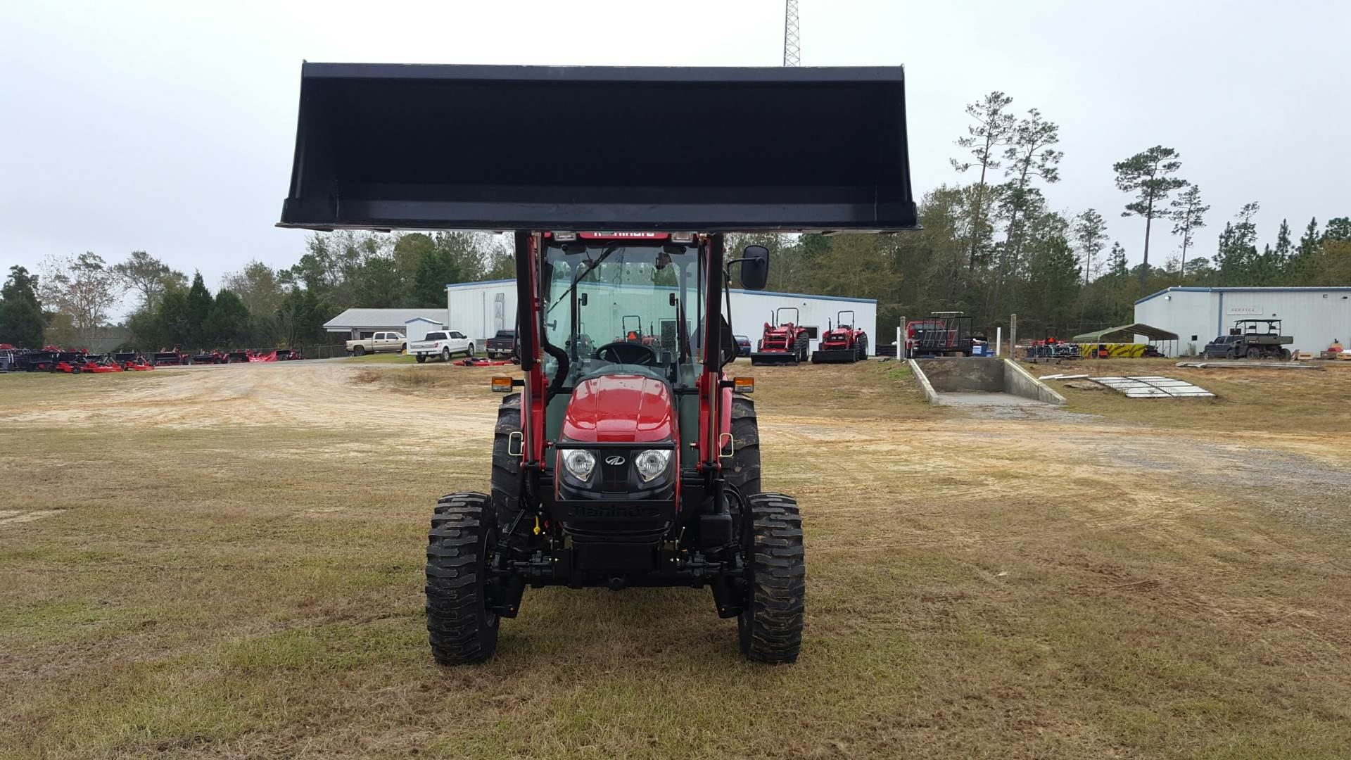 2017 Mahindra 2565 Shuttle Cab in Saucier, Mississippi