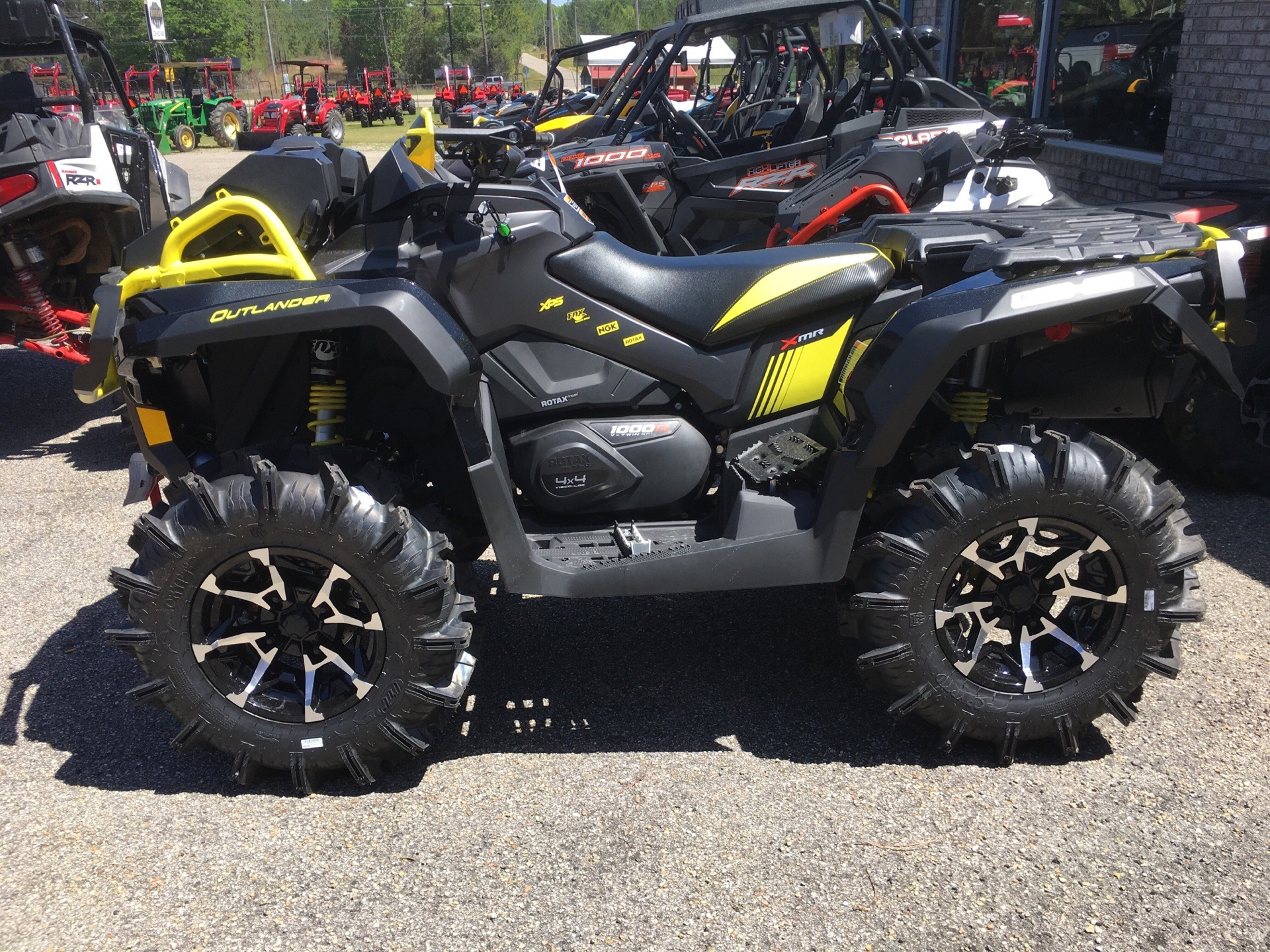 2018 Can-Am Outlander X mr 1000R in Saucier, Mississippi