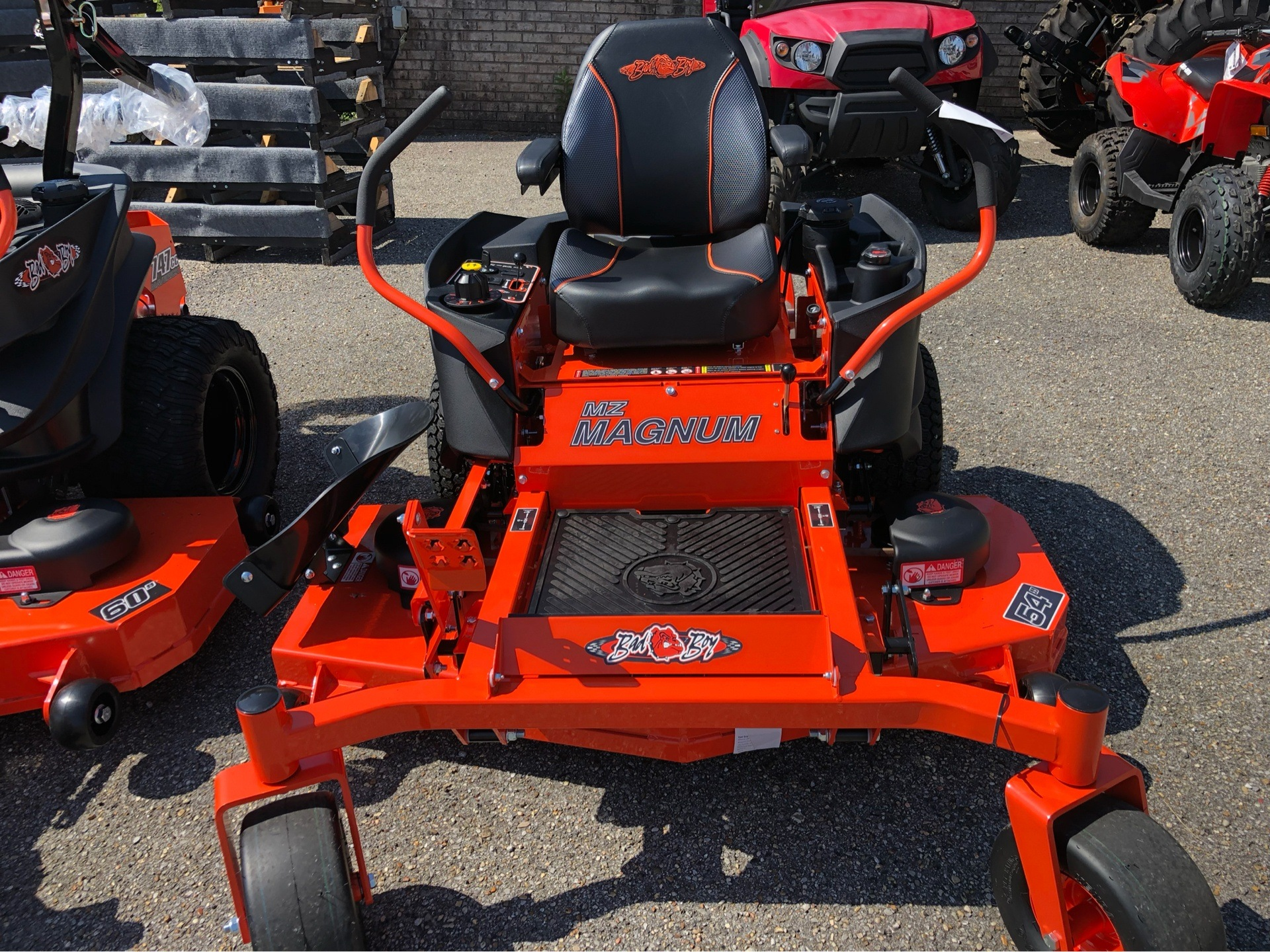 "2019 Bad Boy Mowers MZ Magnum 54"" with Kawasaki FR651 in Saucier, Mississippi - Photo 2"