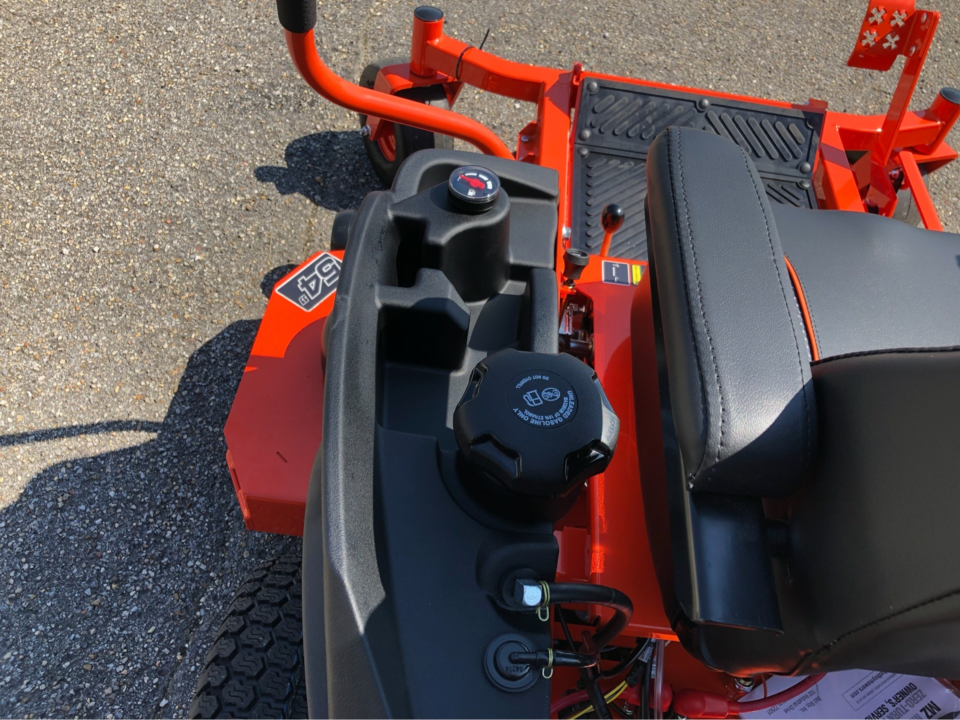 "2019 Bad Boy Mowers MZ Magnum 54"" with Kawasaki FR651 in Saucier, Mississippi - Photo 10"