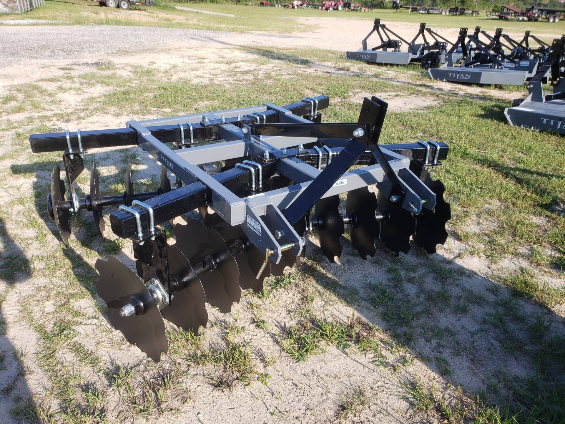 2020 Titan Implement 20x18 Disc - Adjustable Tube in Saucier, Mississippi - Photo 1