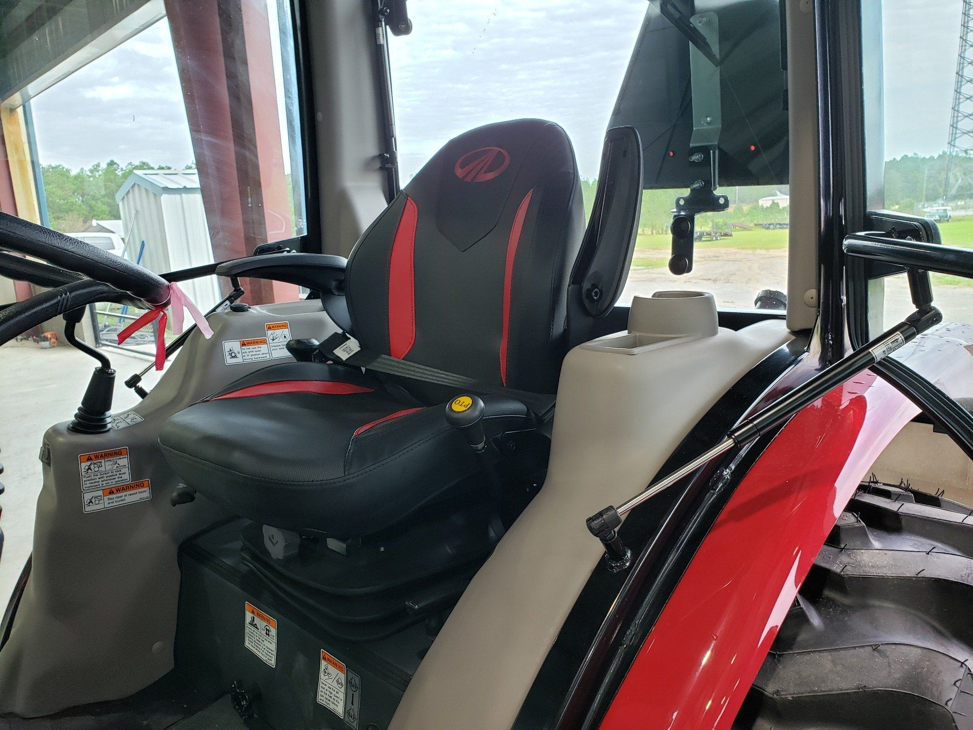 2020 Mahindra 2638 HST Cab in Saucier, Mississippi - Photo 11