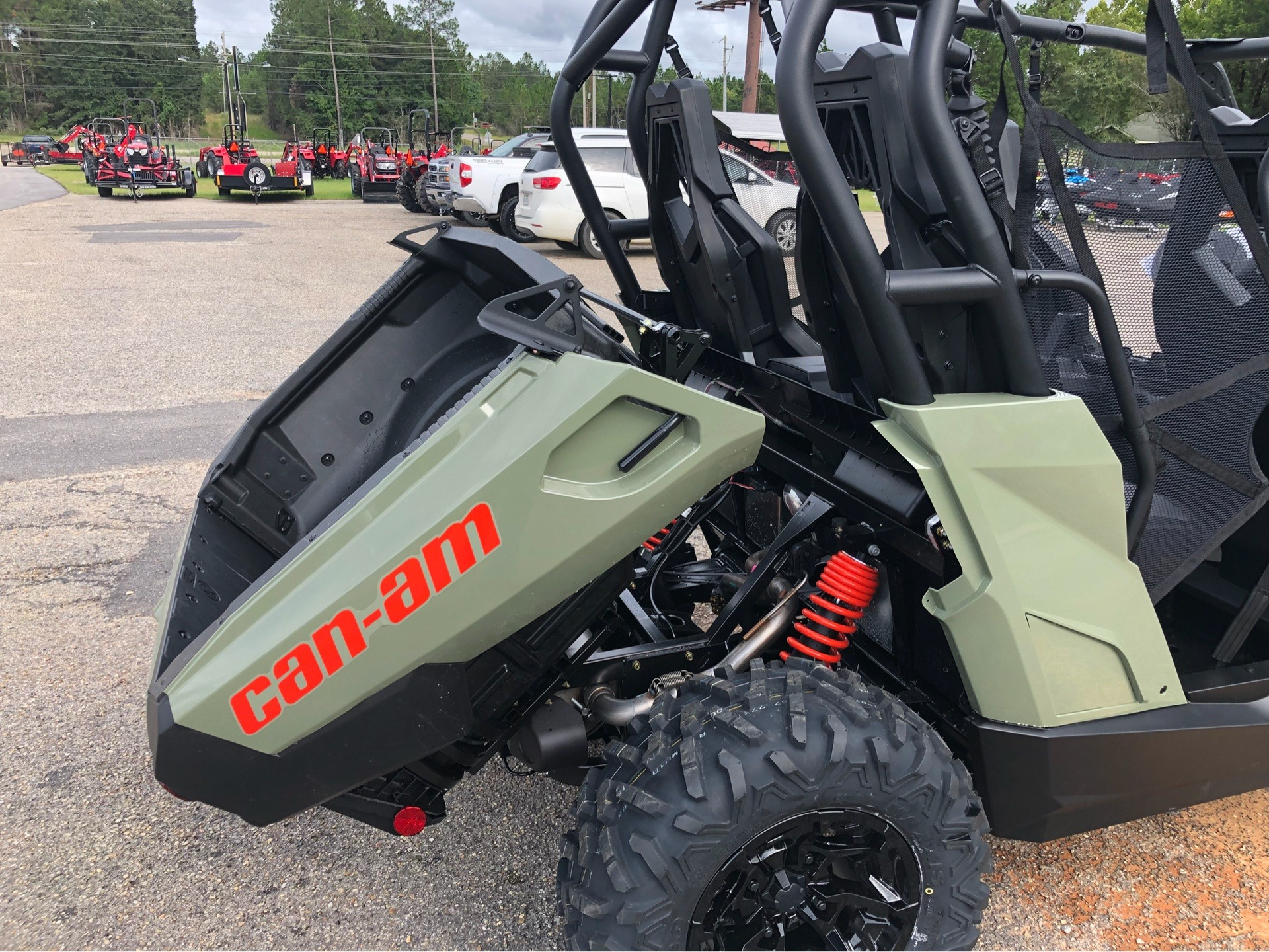 2019 Can-Am Commander MAX DPS 800R in Saucier, Mississippi