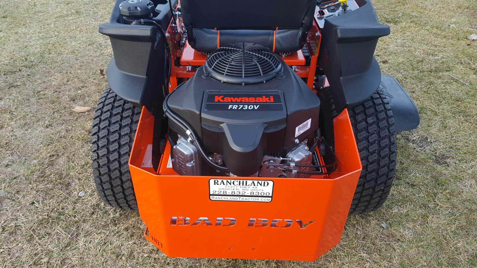 "2017 Bad Boy Mowers ZT 48"" with Kawasaki Engine in Saucier, Mississippi"