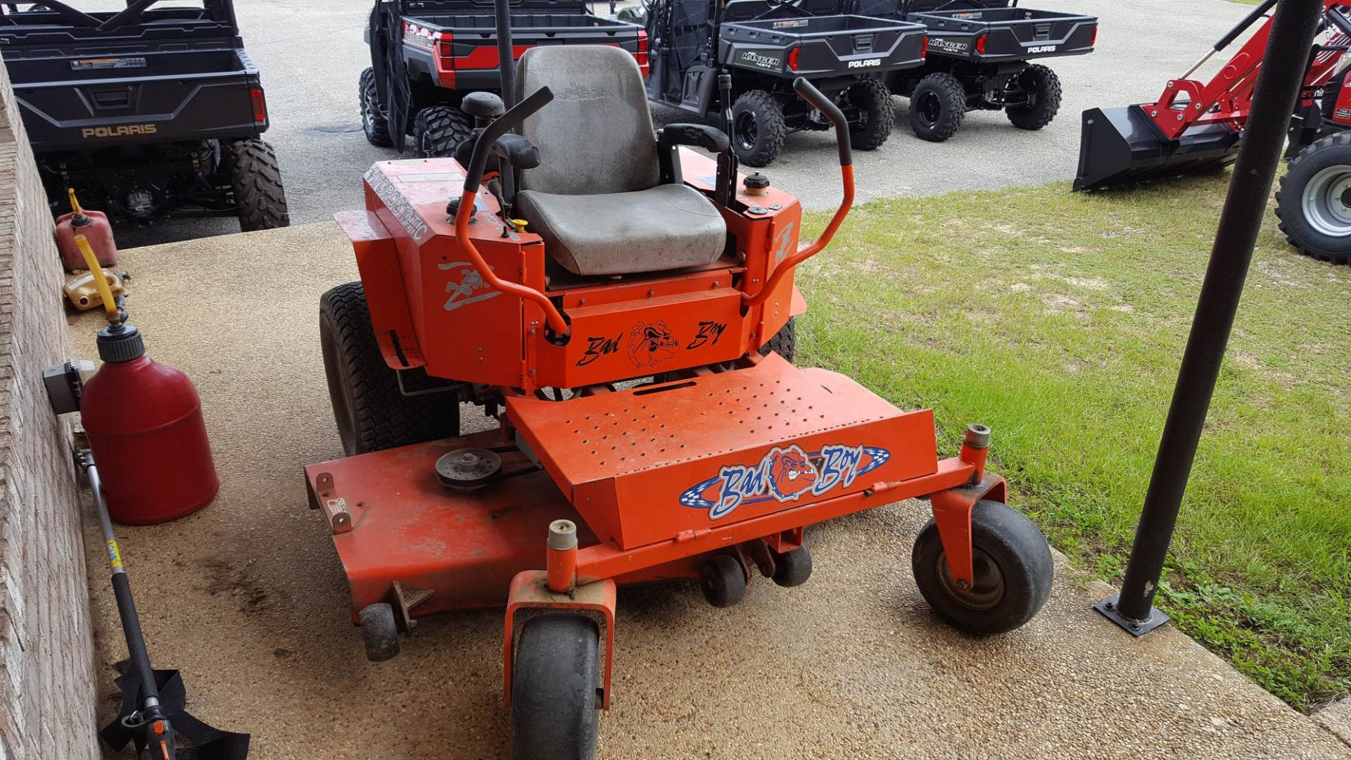 2005 Bad Boy Mowers 27 hp Pup in Saucier, Mississippi