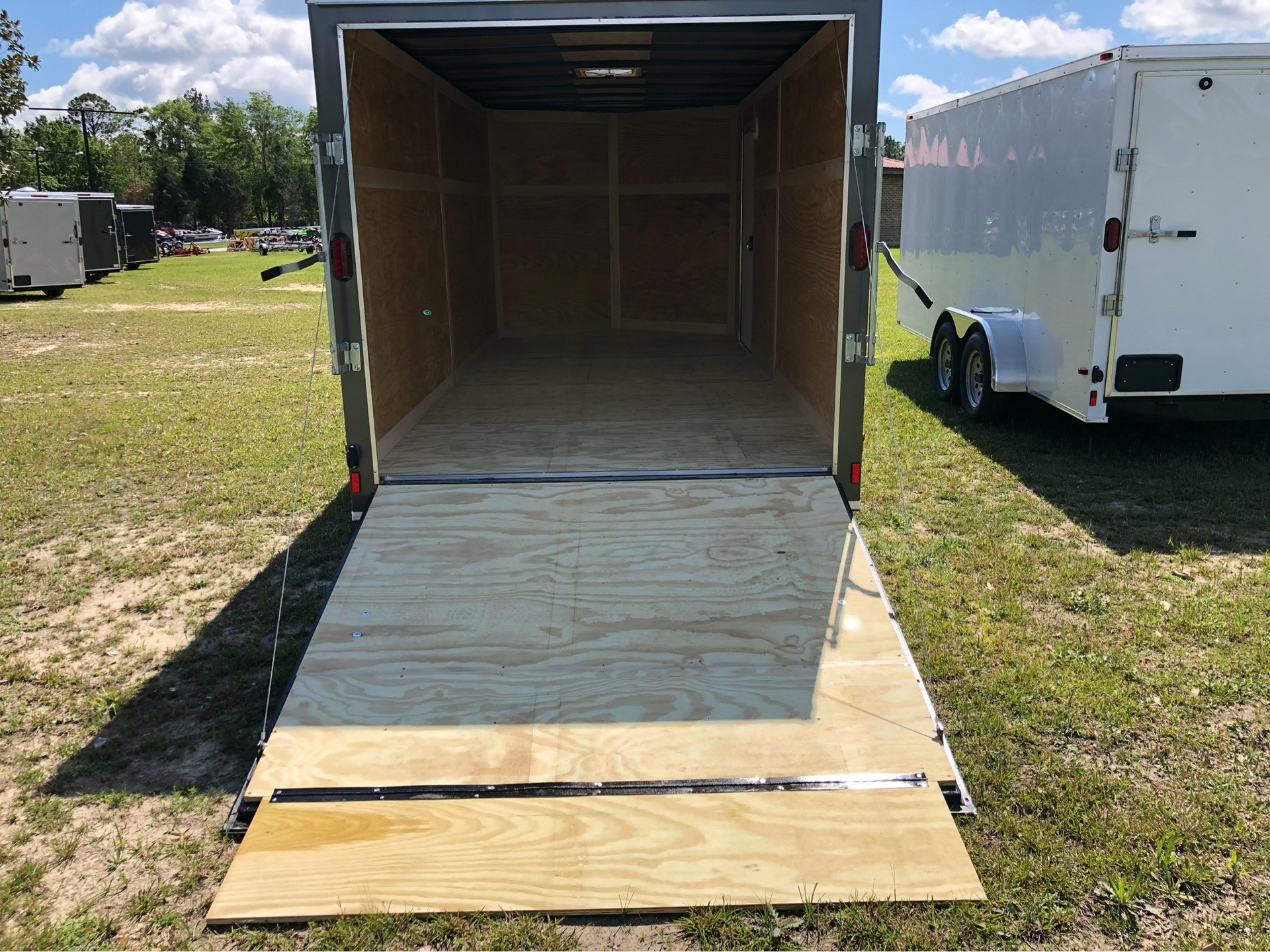 2019 Triple R Trailers 7x16 V-Nose, Ramp Door, Side Door in Saucier, Mississippi - Photo 8