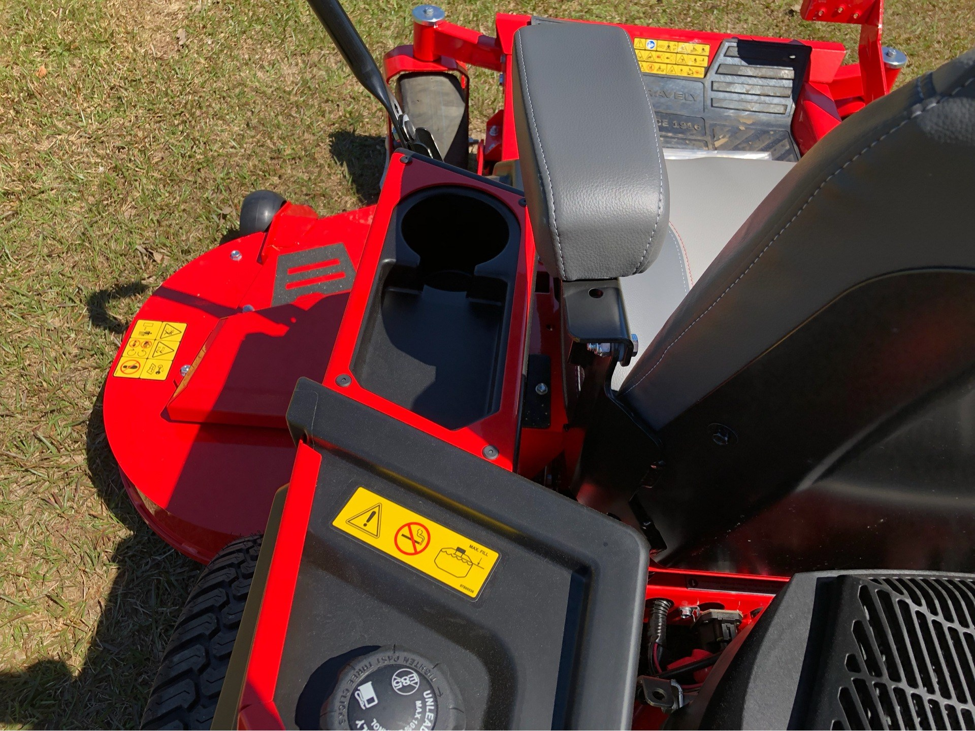 2019 Gravely USA ZT XL 60 (Kohler) in Saucier, Mississippi - Photo 8