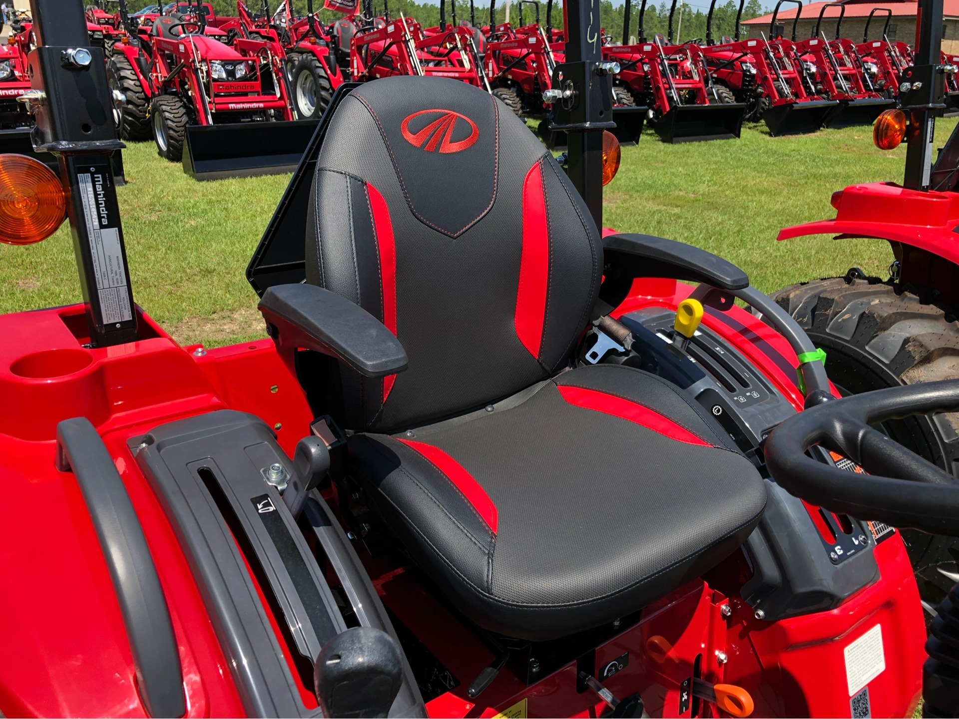 2019 Mahindra 1626 Shuttle in Saucier, Mississippi - Photo 4