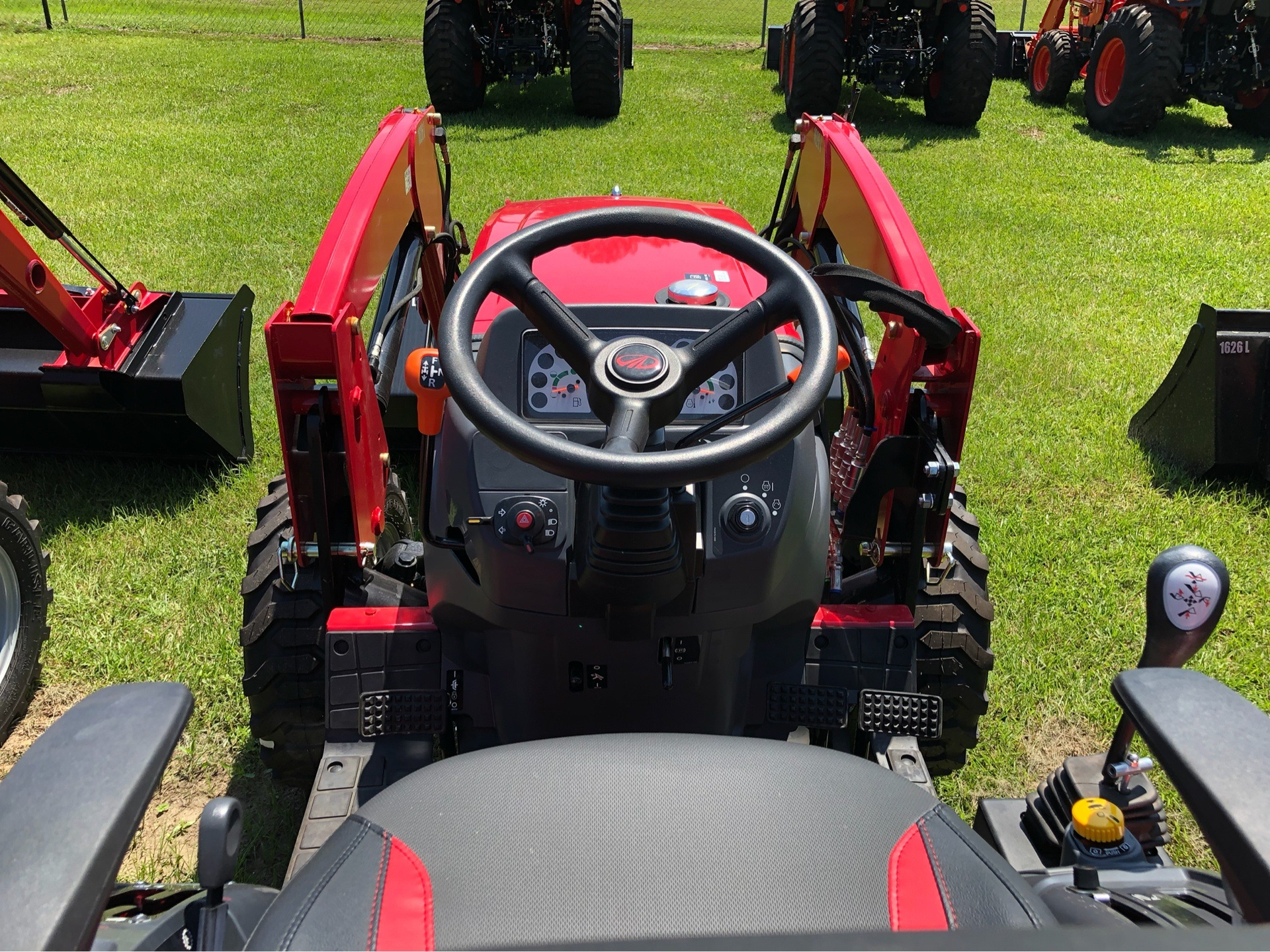 2019 Mahindra 1626 Shuttle in Saucier, Mississippi - Photo 8