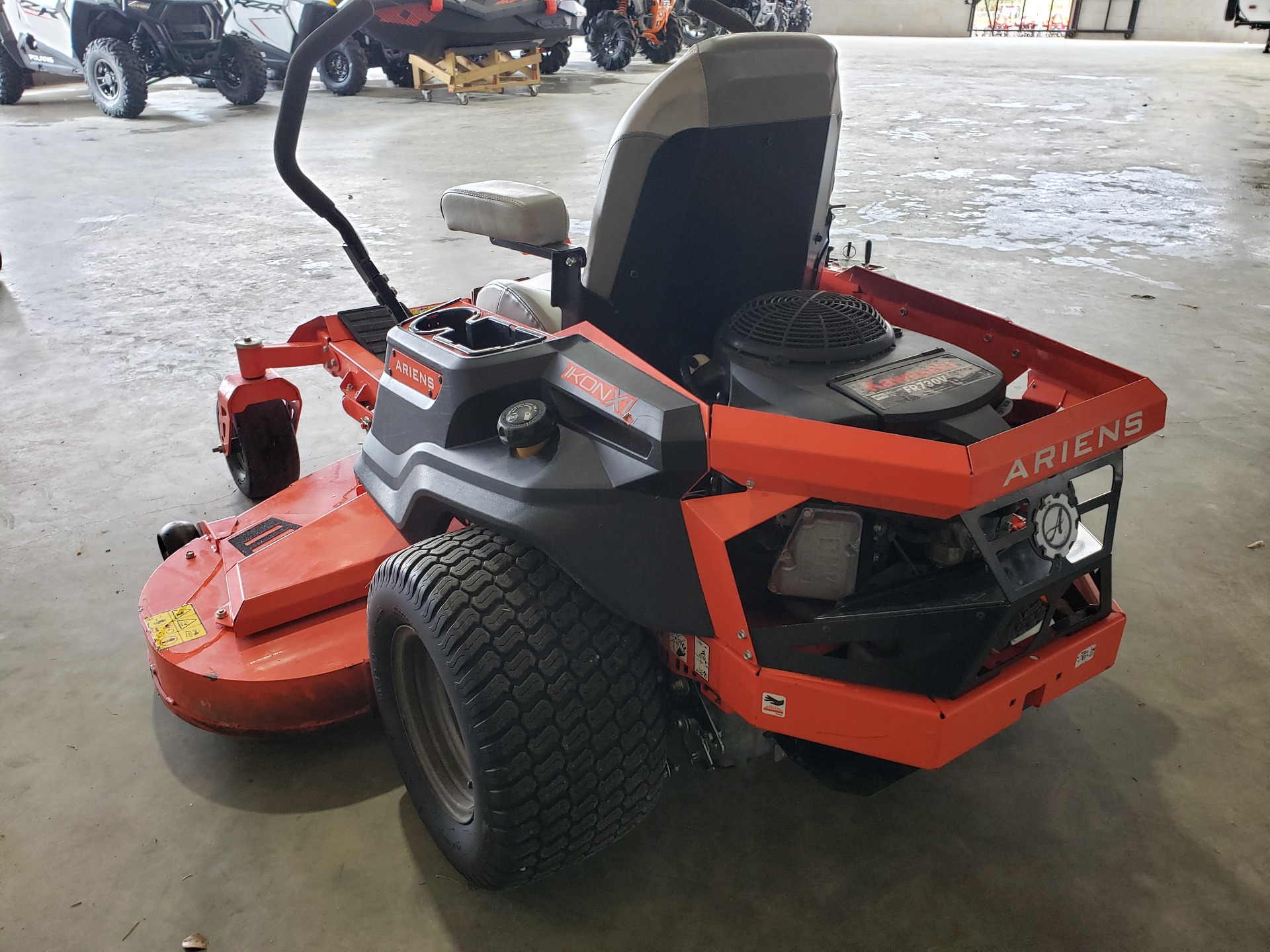 2019 Ariens Ikon XL 60 in. Kawasaki 24 hp in Saucier, Mississippi - Photo 5