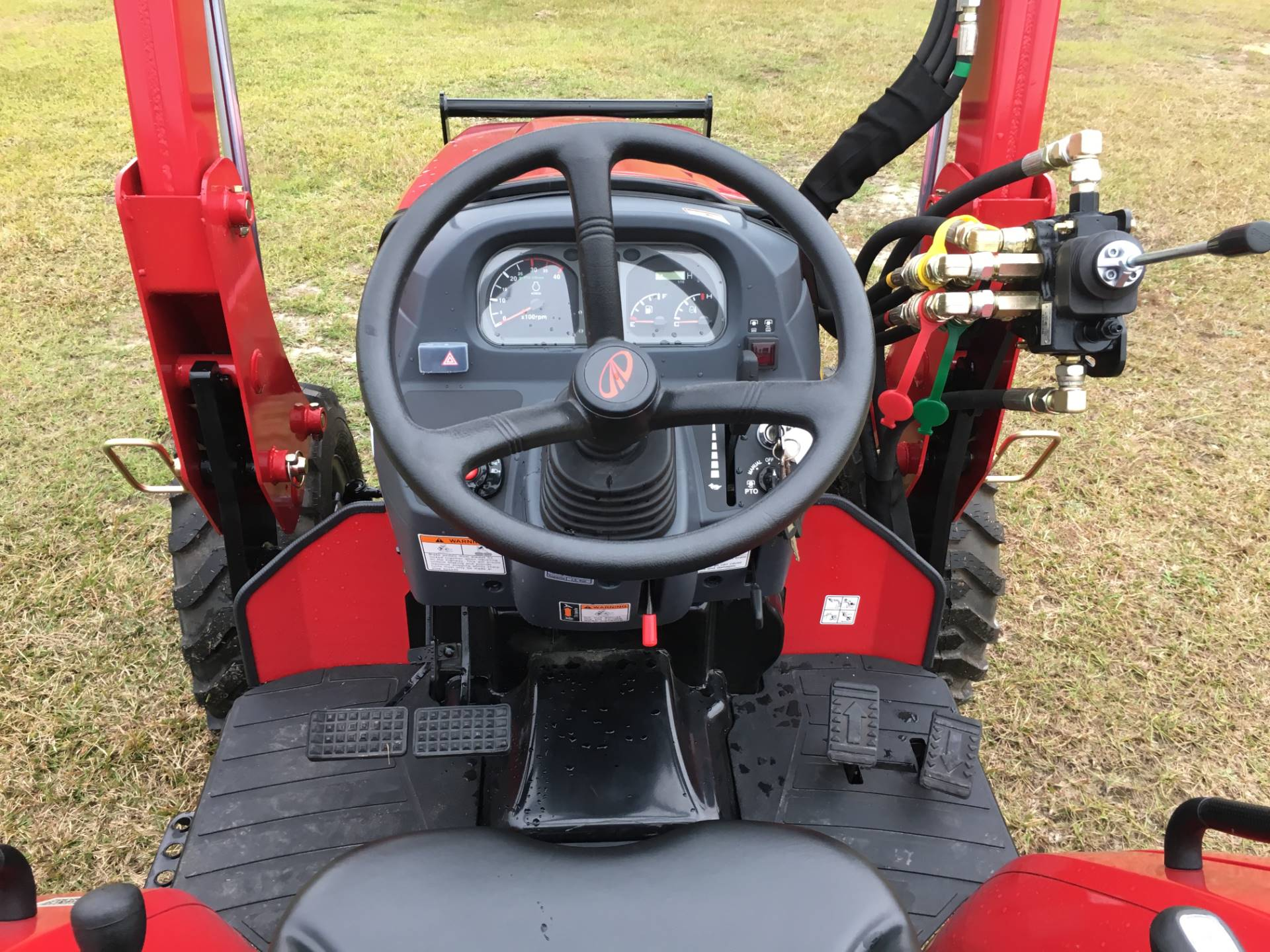 2016 Mahindra 2538 HST in Saucier, Mississippi
