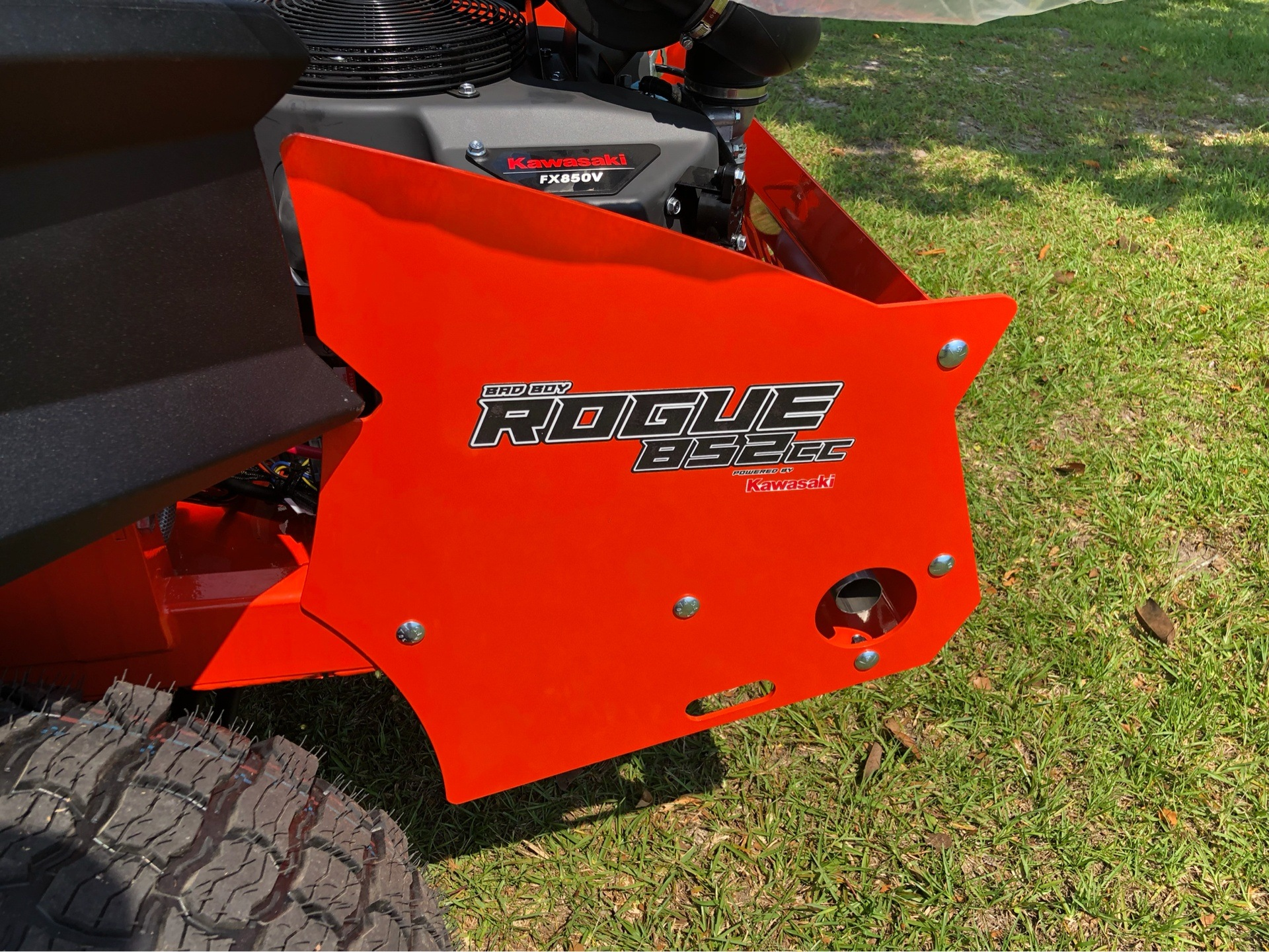 "2019 Bad Boy Mowers Rogue 54"" with 27hp Kawasaki in Saucier, Mississippi - Photo 7"