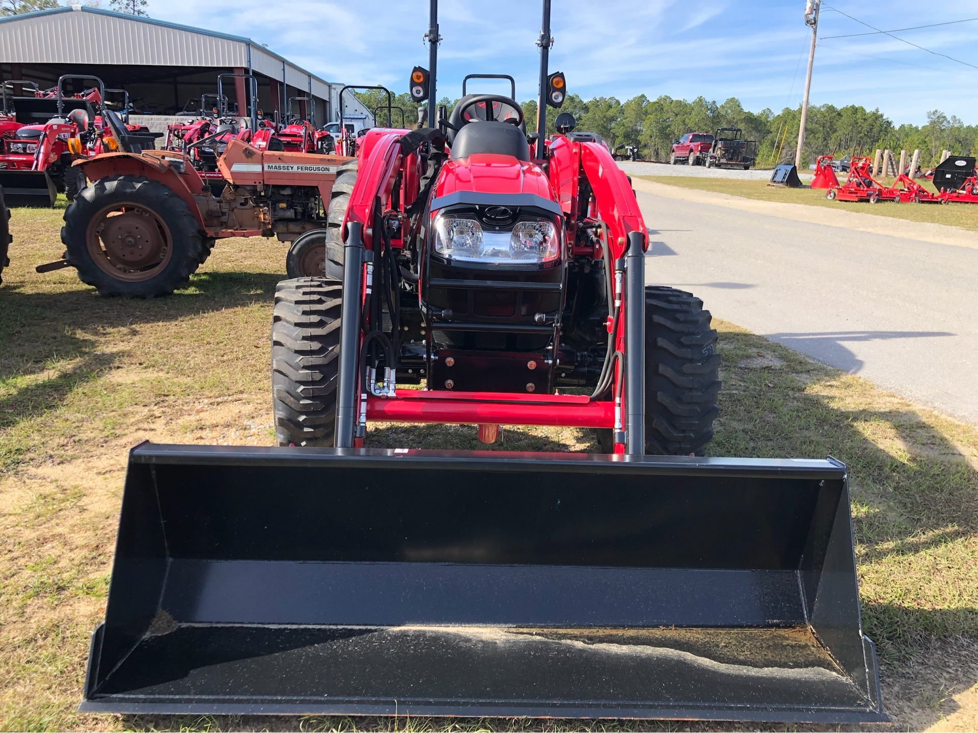 2019 Mahindra 3640 HST OS in Saucier, Mississippi - Photo 3
