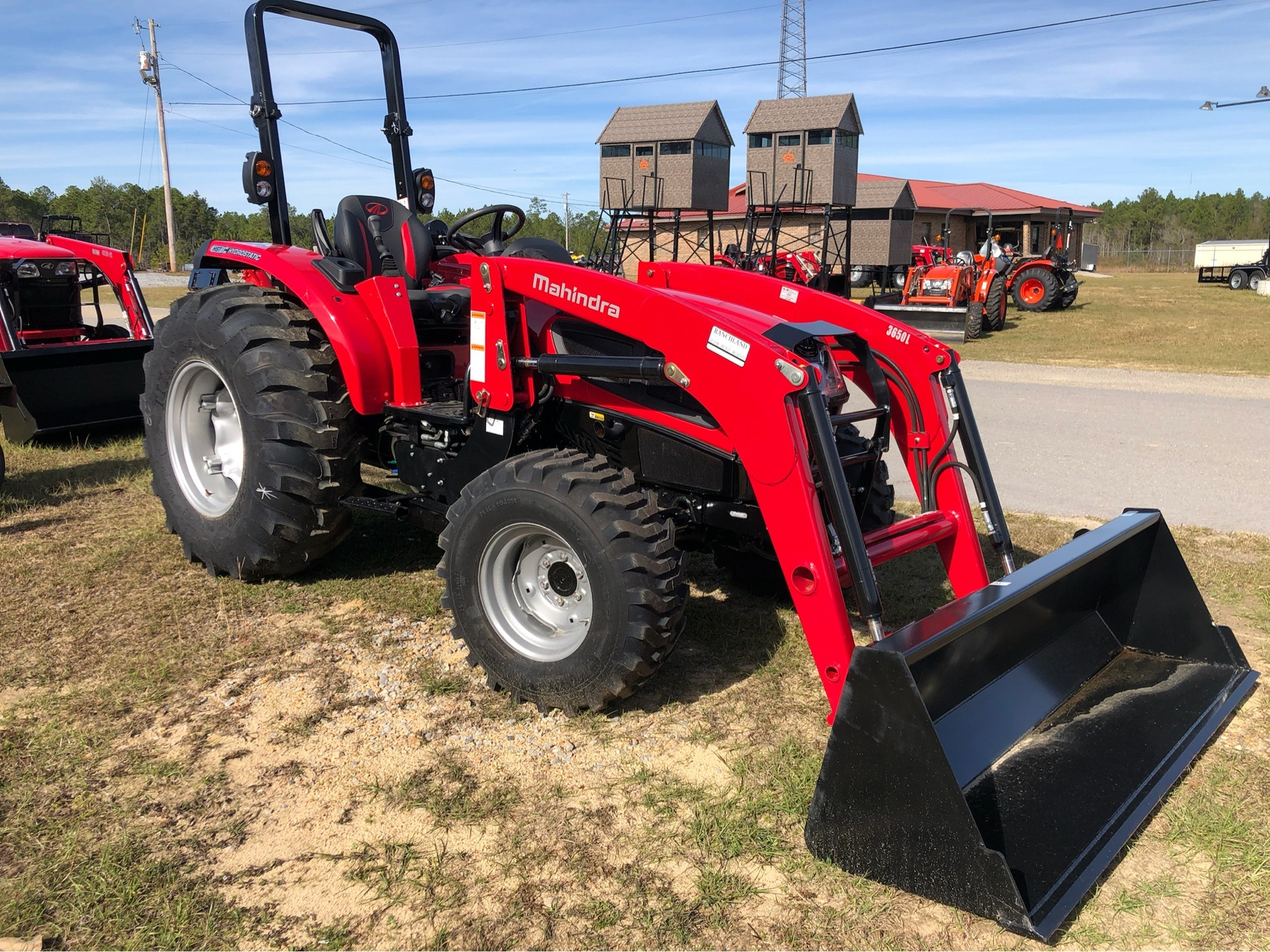 2019 Mahindra 3640 HST OS in Saucier, Mississippi - Photo 4