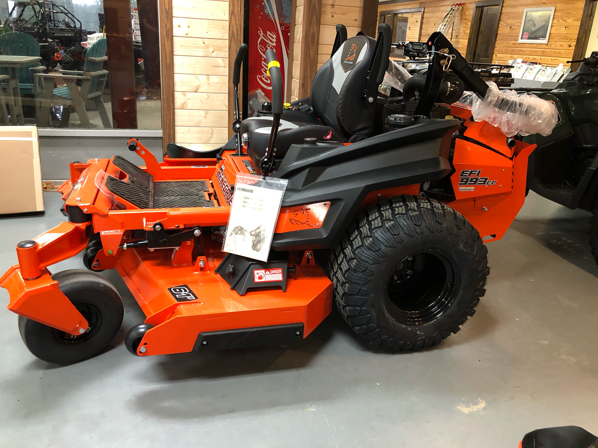 2021 Bad Boy Mowers Renegade 61 in. Vanguard EFI 37 hp in Saucier, Mississippi - Photo 4