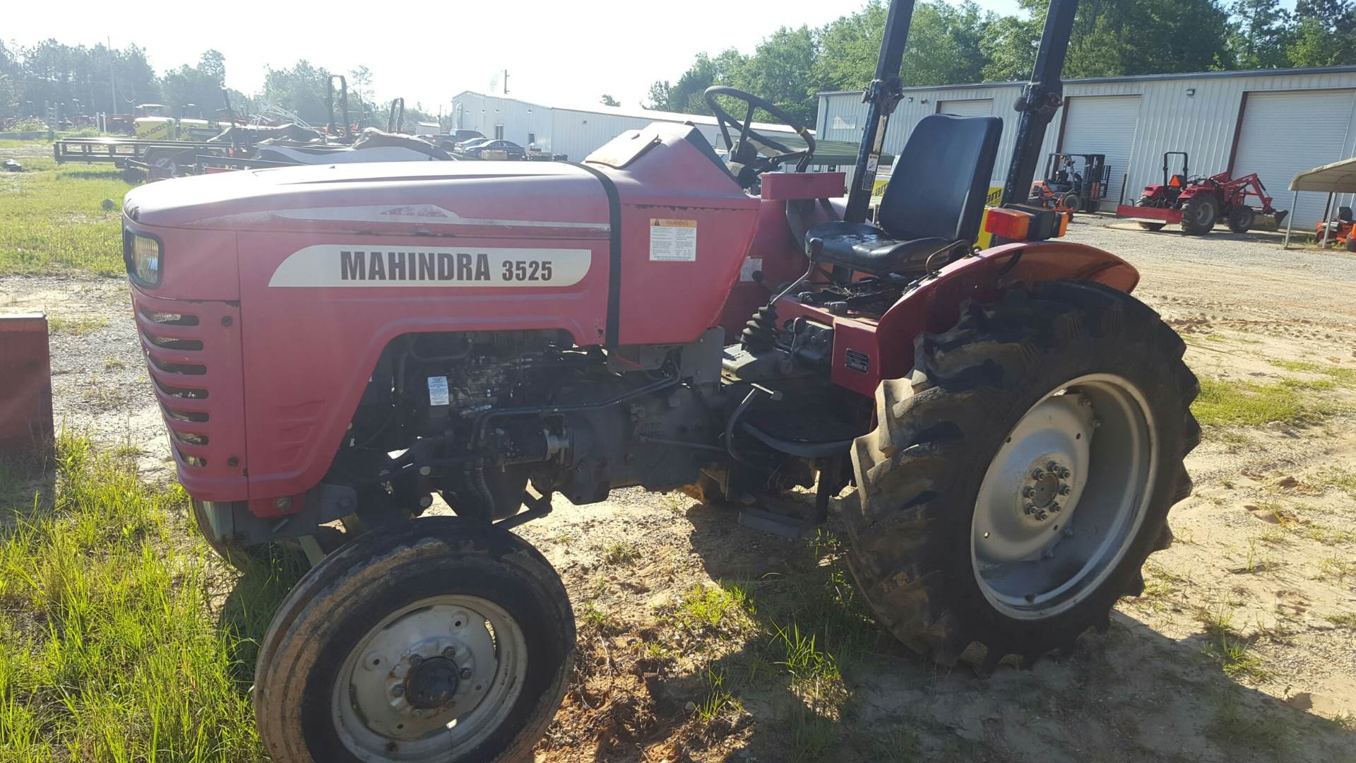 2007 Mahindra 3525 in Saucier, Mississippi