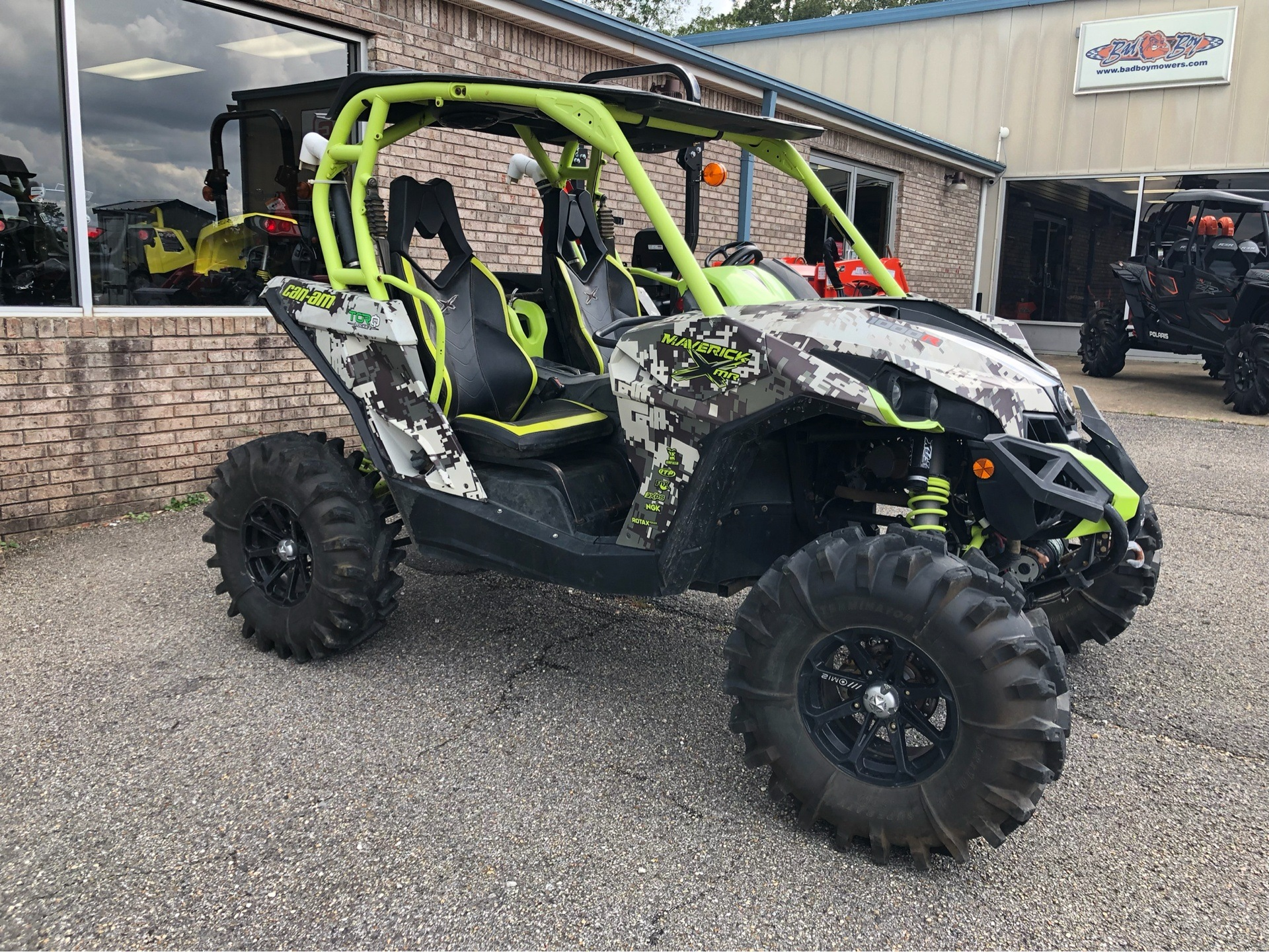 2015 Can-Am Maverick™ X® mr DPS™ 1000R in Saucier, Mississippi - Photo 3