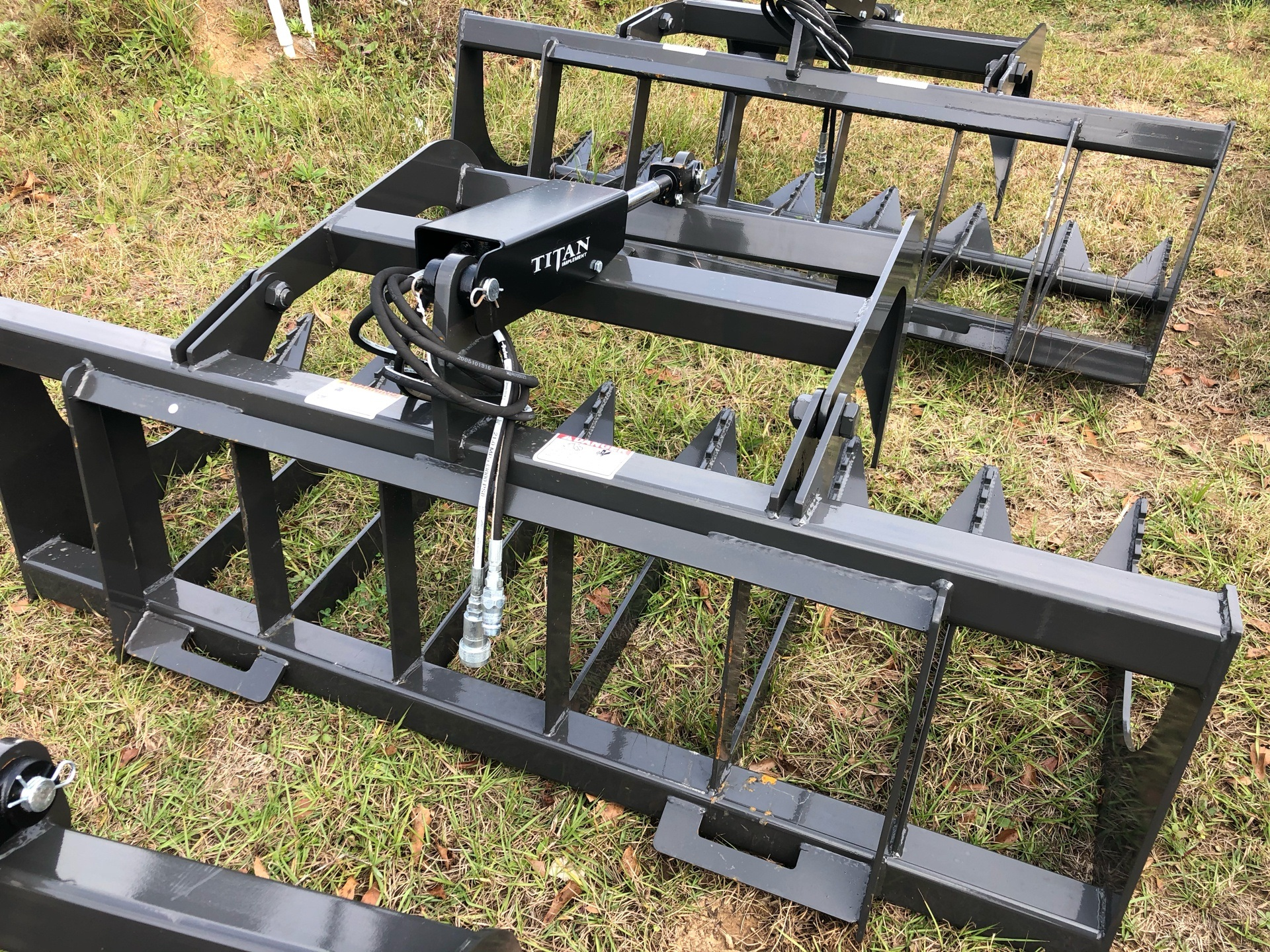 2021 Titan Implement 5 1/2' Root Grapple - Single Lid - SERG66 in Saucier, Mississippi - Photo 3