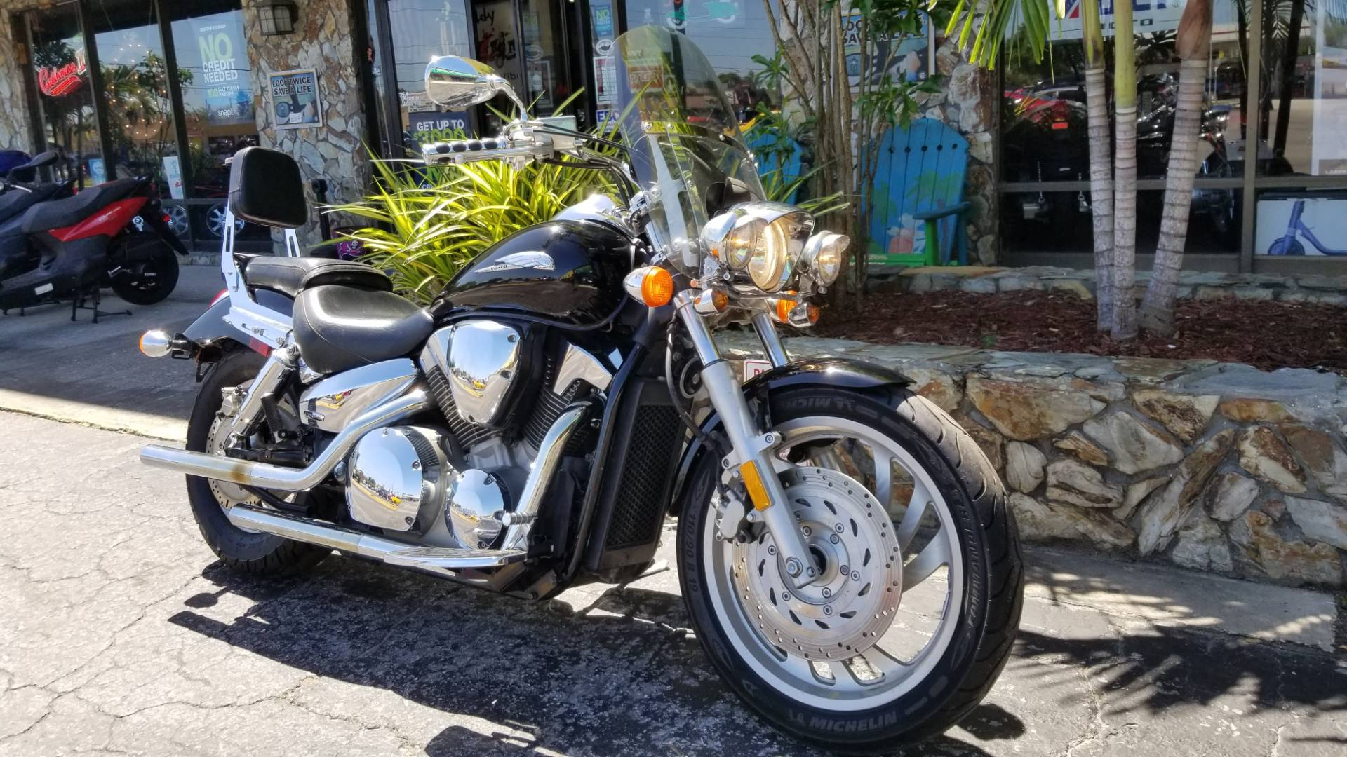 2004 Honda VTX1300C in Largo, Florida - Photo 2