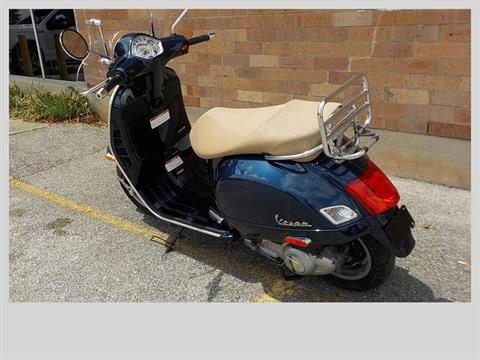 2011 Vespa GTS 300 in San Antonio, Texas - Photo 6