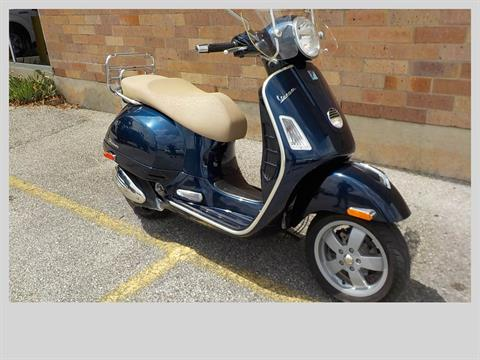 2011 Vespa GTS 300 in San Antonio, Texas - Photo 3