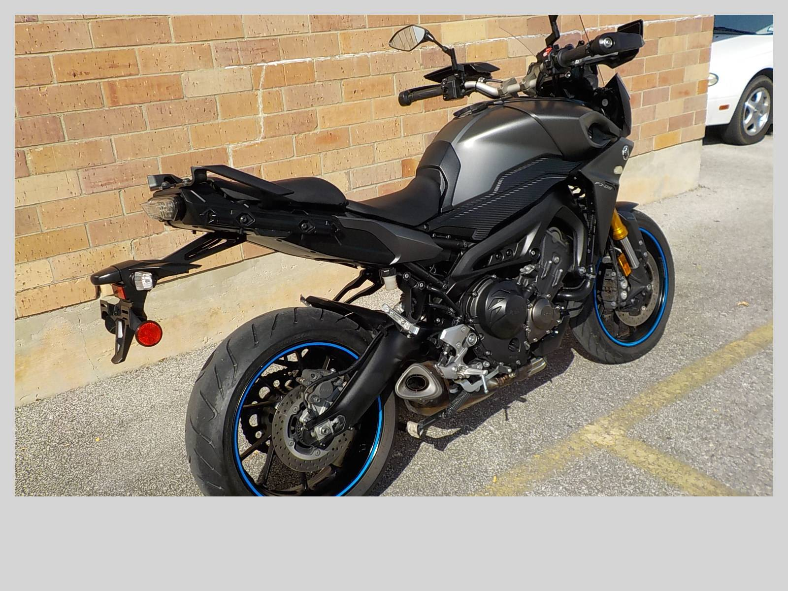 2015 Yamaha FJ-09 in San Antonio, Texas - Photo 5