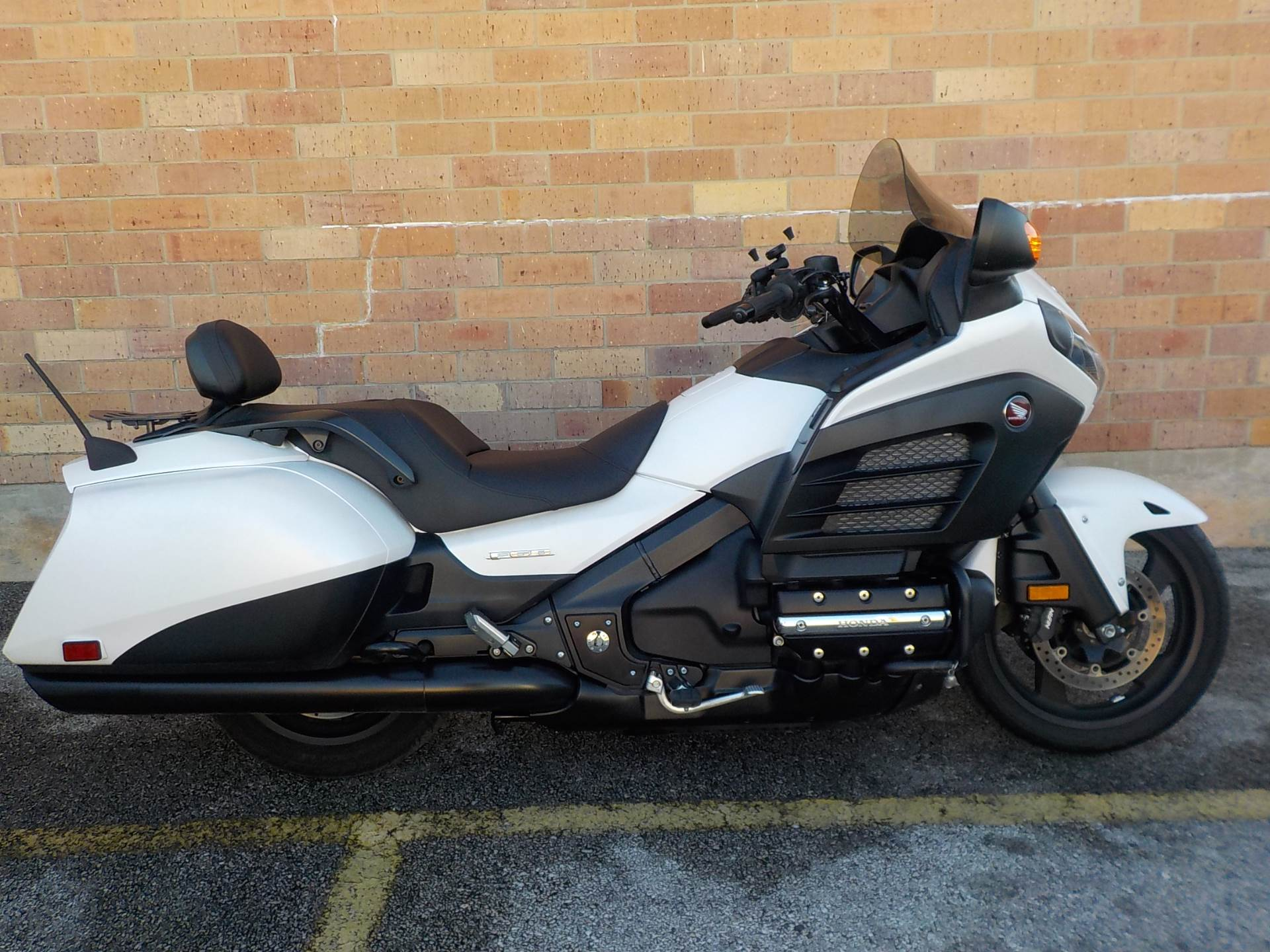 used 2013 honda motorcycles gold wing f6b for sale in san autos post. Black Bedroom Furniture Sets. Home Design Ideas