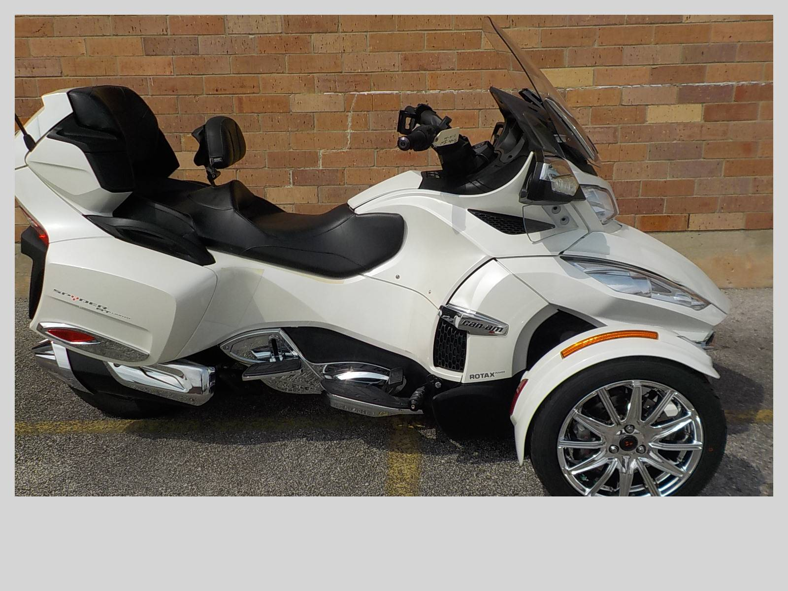 2016 Can-Am Spyder RT Limited in San Antonio, Texas - Photo 1