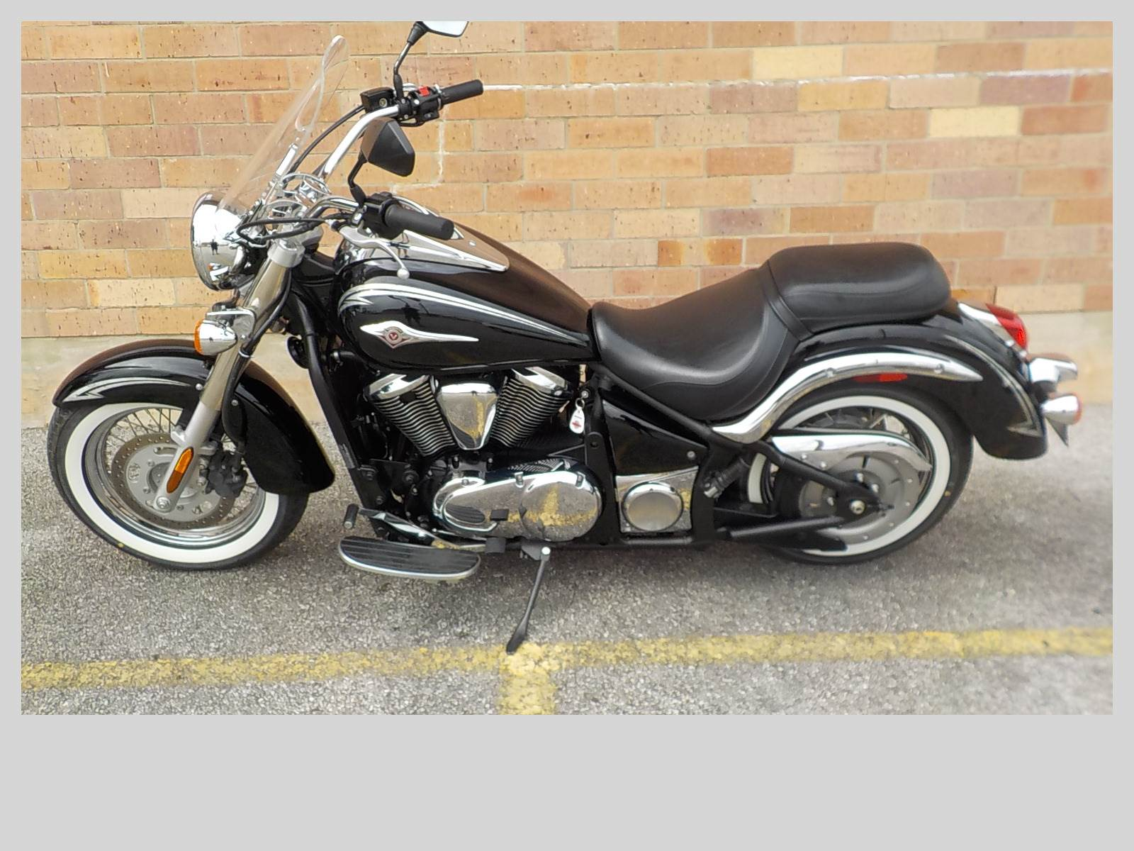 2011 Kawasaki Vulcan® 900 Classic LT in San Antonio, Texas - Photo 2