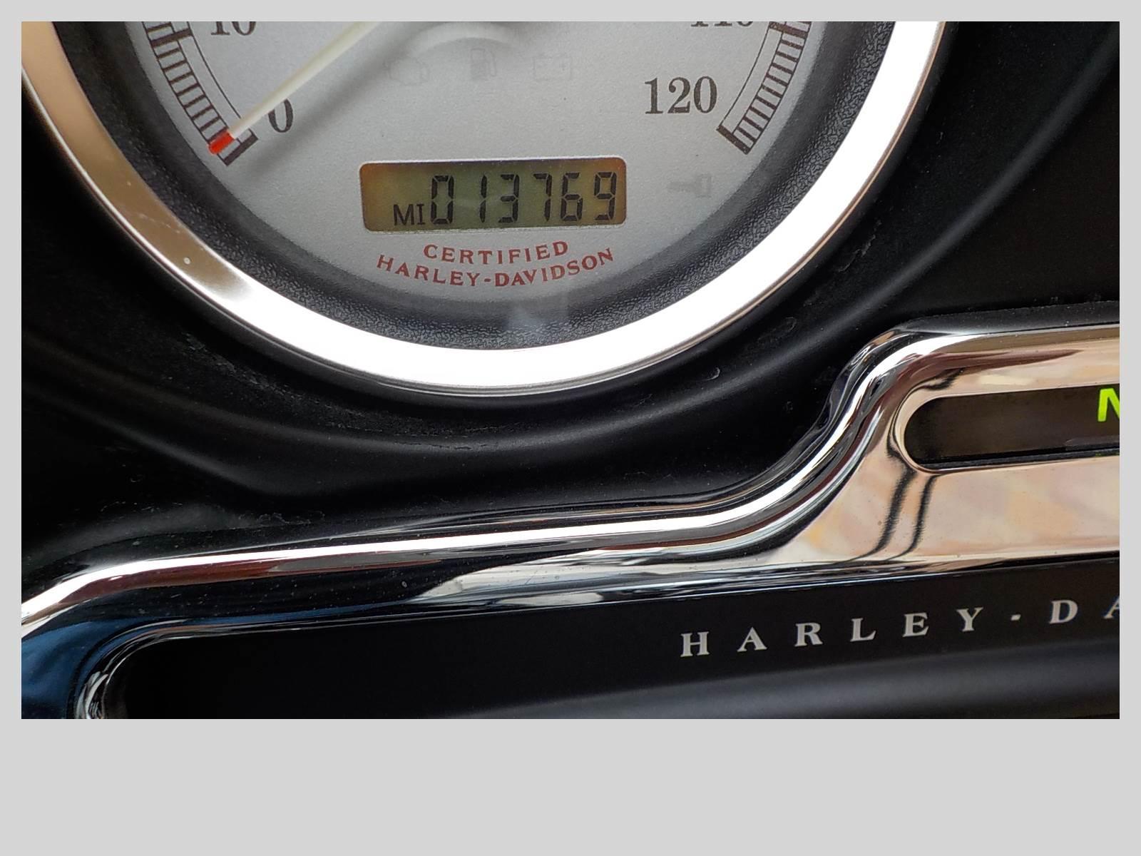 2006 Harley-Davidson Street Glide 7