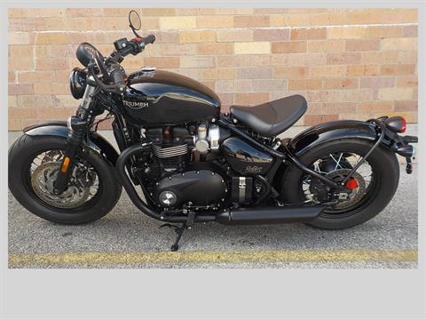 2018 Triumph Bonneville Bobber Black in San Antonio, Texas - Photo 2