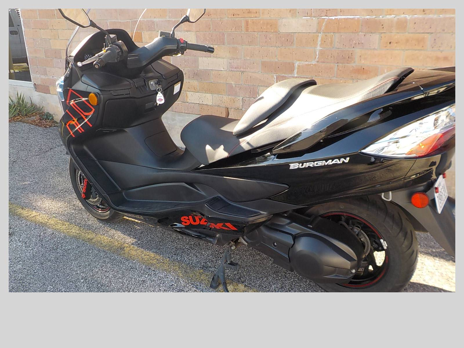 2014 Suzuki Burgman™ 400 ABS in San Antonio, Texas - Photo 6