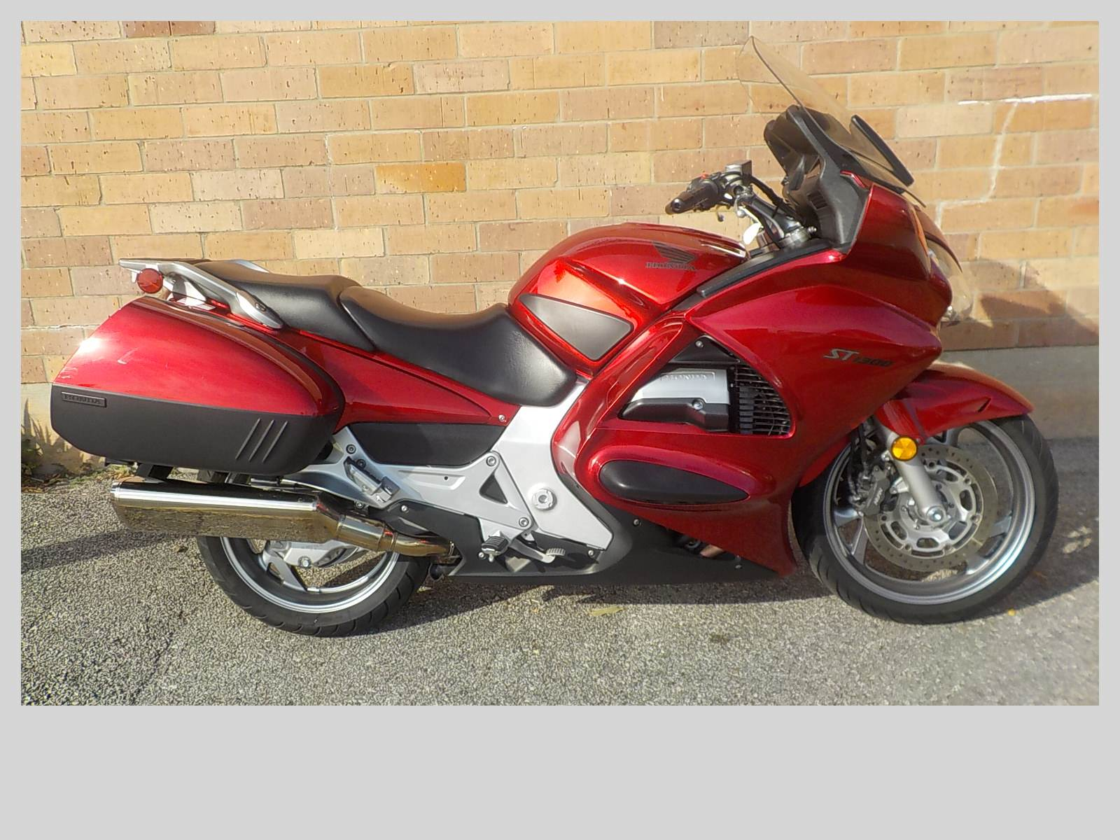 2009 Honda ST1300® in San Antonio, Texas - Photo 1