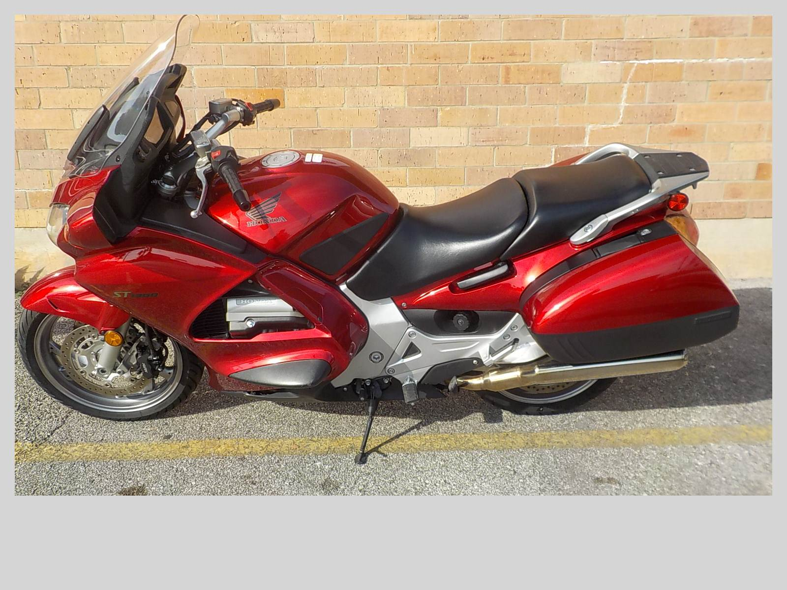 2009 Honda ST1300® in San Antonio, Texas - Photo 2