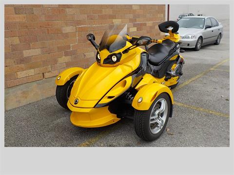 2009 Can-Am Spyder™ GS Roadster with SE5 Transmission (semi auto) in San Antonio, Texas - Photo 4