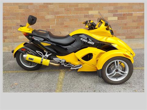 2009 Can-Am Spyder™ GS Roadster with SE5 Transmission (semi auto) in San Antonio, Texas - Photo 1
