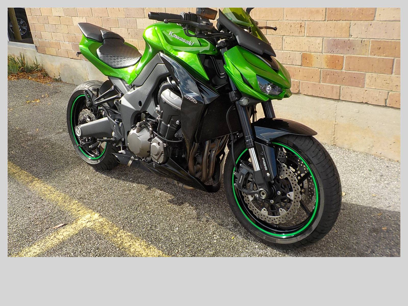 2015 Kawasaki Z1000 ABS in San Antonio, Texas - Photo 3