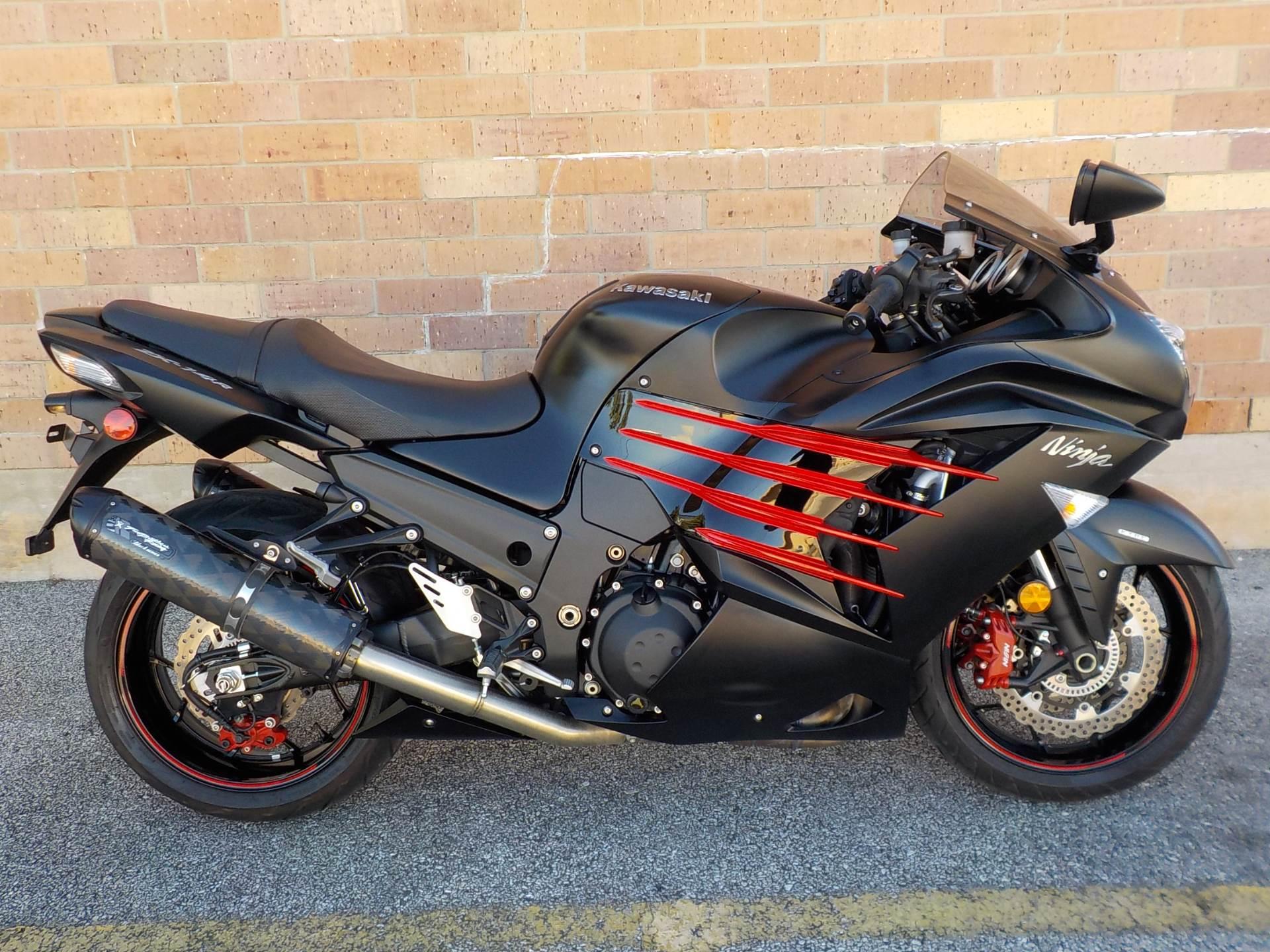 cars and bikes of Dhoni: ninja zx-14r