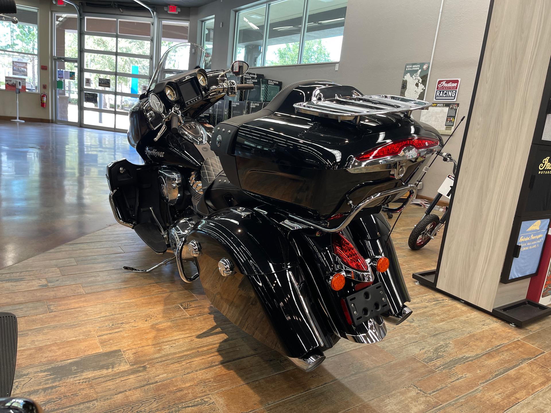 2021 Indian Roadmaster® in Fleming Island, Florida - Photo 2