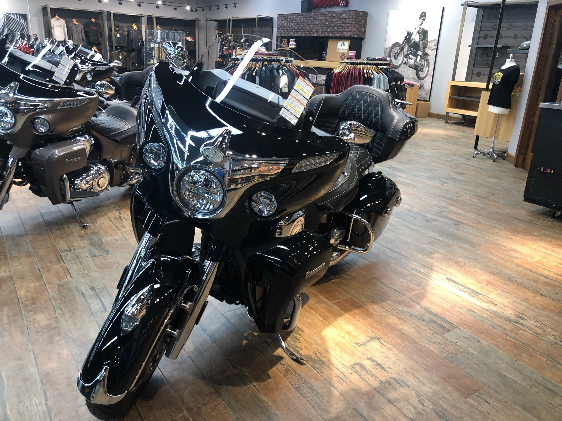 2019 Indian Roadmaster® ABS in Fleming Island, Florida - Photo 2