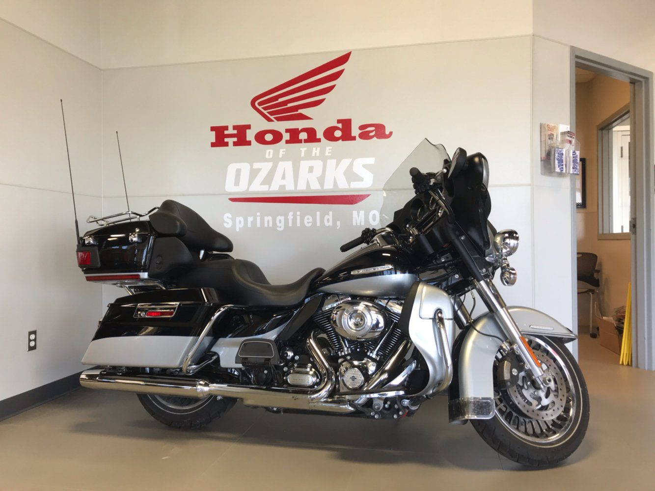 2013 Harley-Davidson Electra Glide® Ultra Limited in Springfield, Missouri - Photo 1