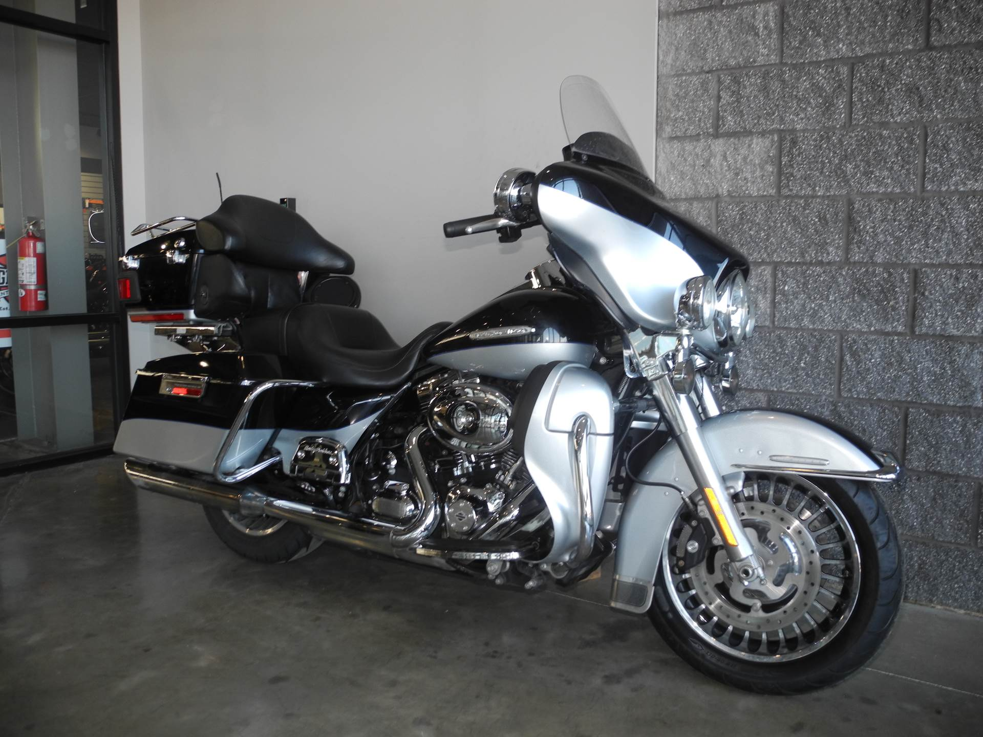 2013 Harley-Davidson FLHTK in Youngstown, Ohio - Photo 2