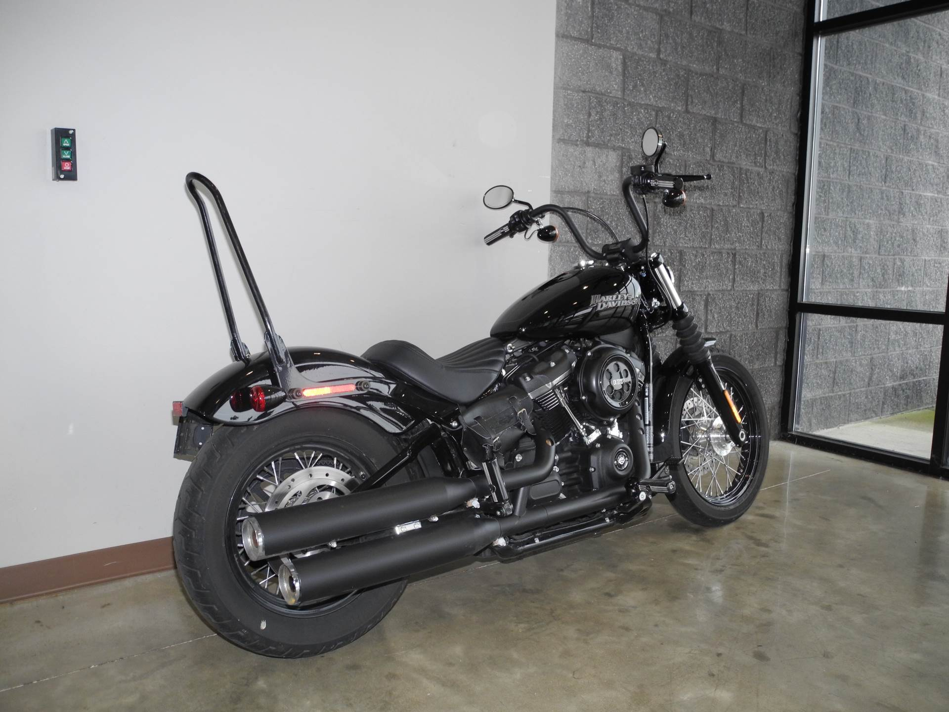 2018 Harley-Davidson Street Bob® 107 in Youngstown, Ohio - Photo 3