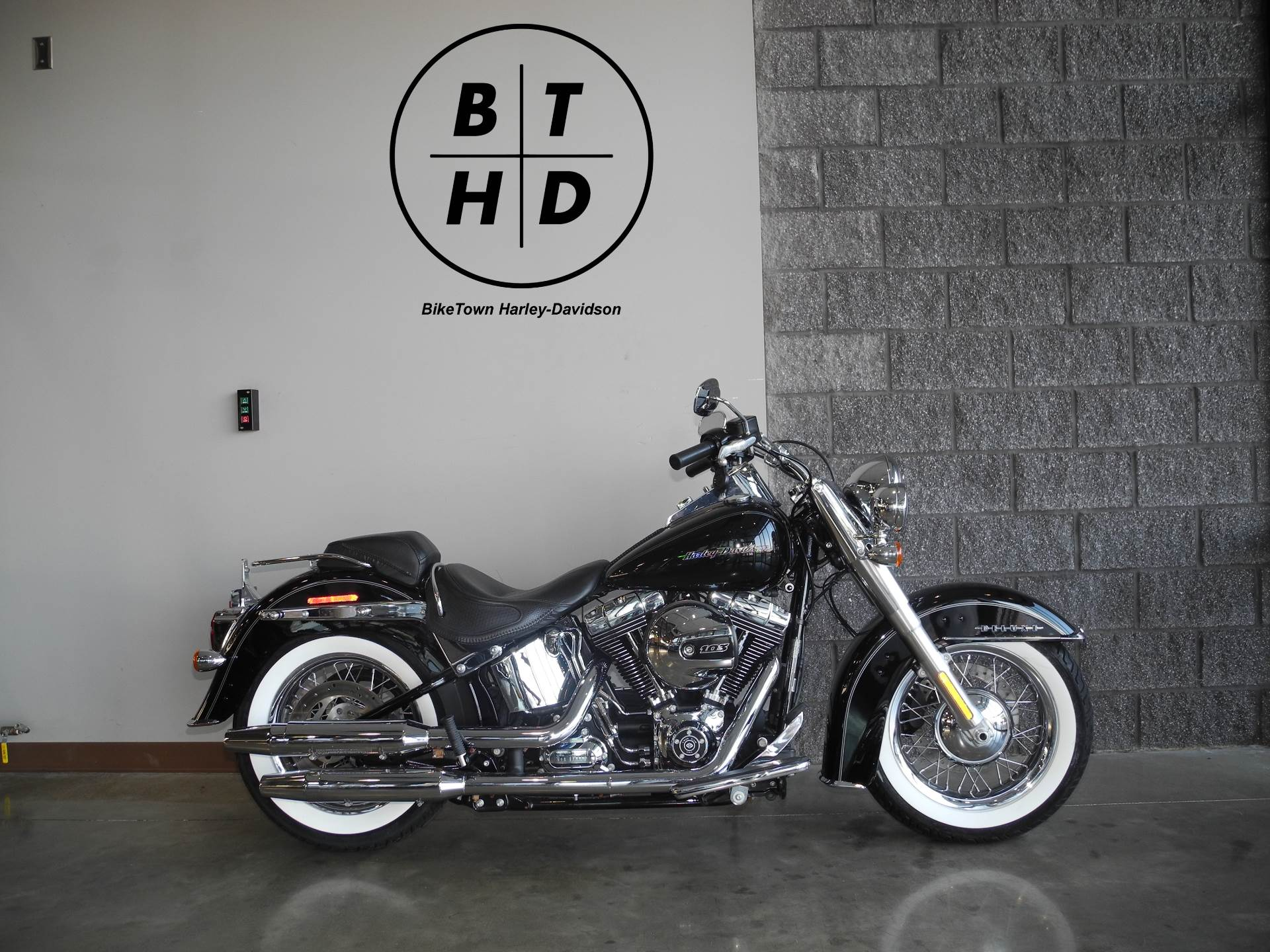 2016 Harley-Davidson Softail® Deluxe in Youngstown, Ohio - Photo 1