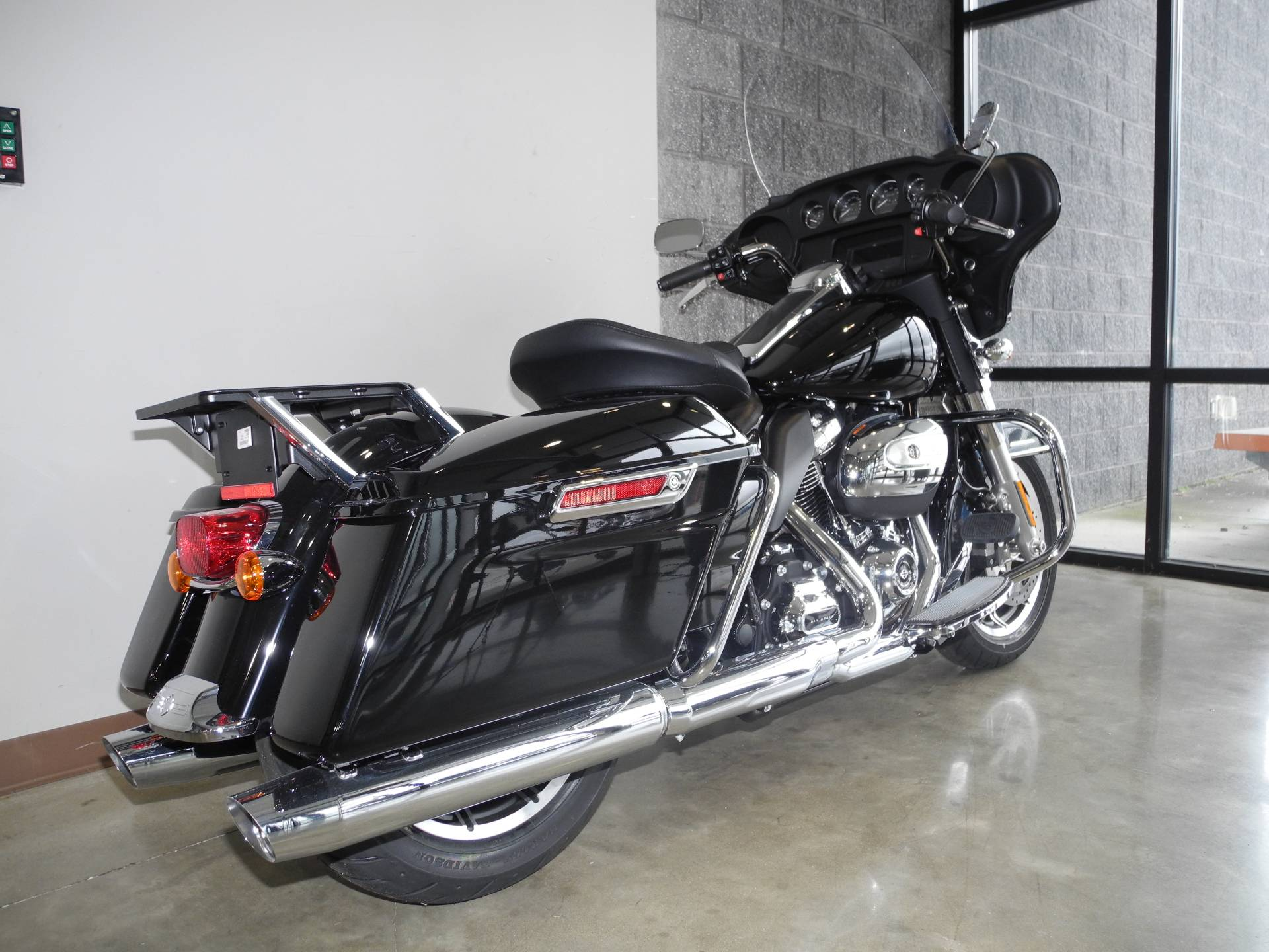 2019 Harley-Davidson Electra Glide® Standard in Youngstown, Ohio - Photo 2