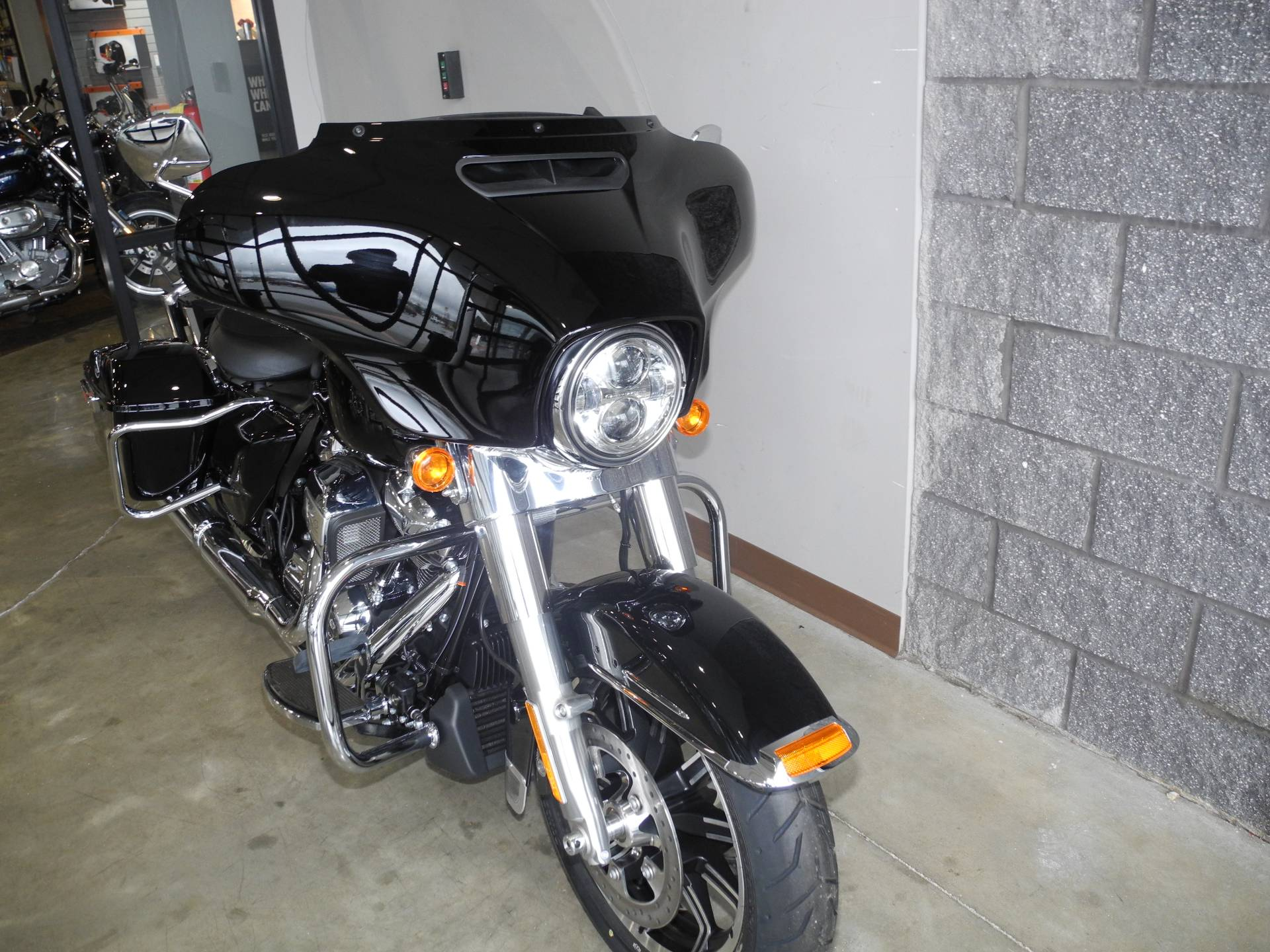 2019 Harley-Davidson Electra Glide® Standard in Youngstown, Ohio - Photo 4